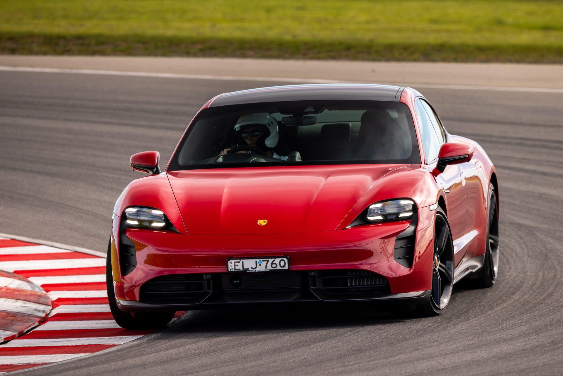 Porsche-Taycan-Turbo-S-The-Bend-Motorsport-Park-5
