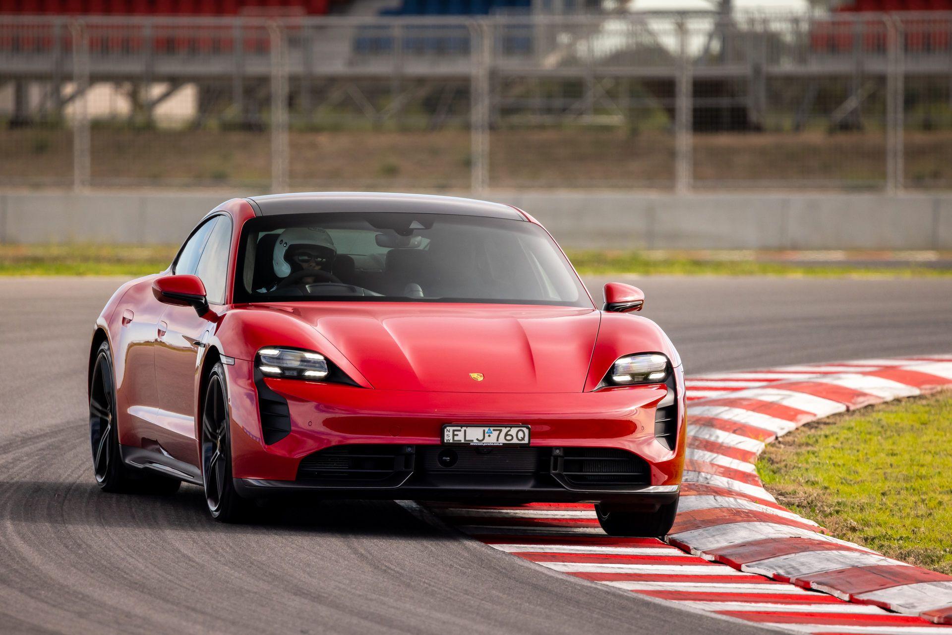 Porsche-Taycan-Turbo-S-The-Bend-Motorsport-Park-8