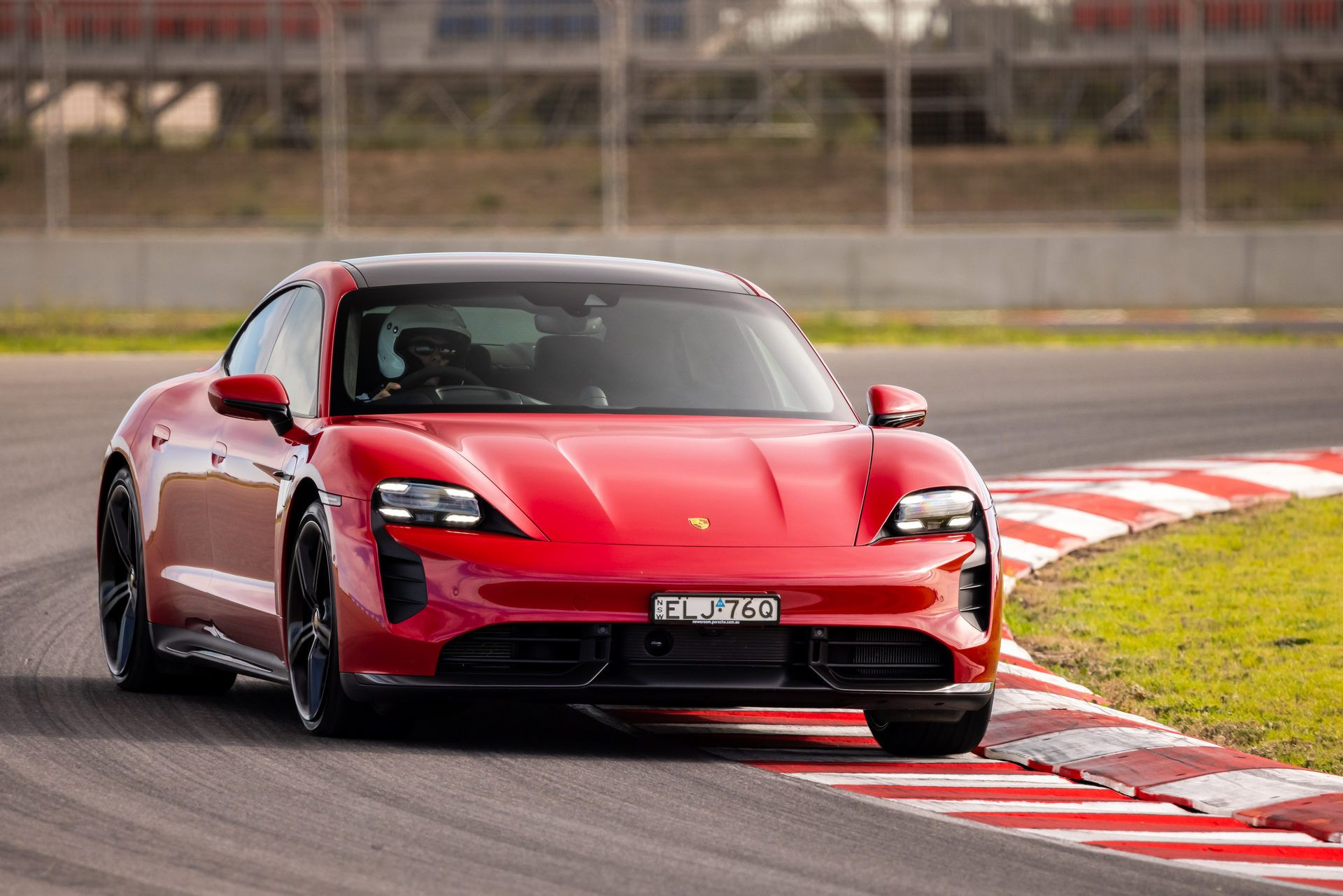 Porsche-Taycan-Turbo-S-The-Bend-Motorsport-Park-9