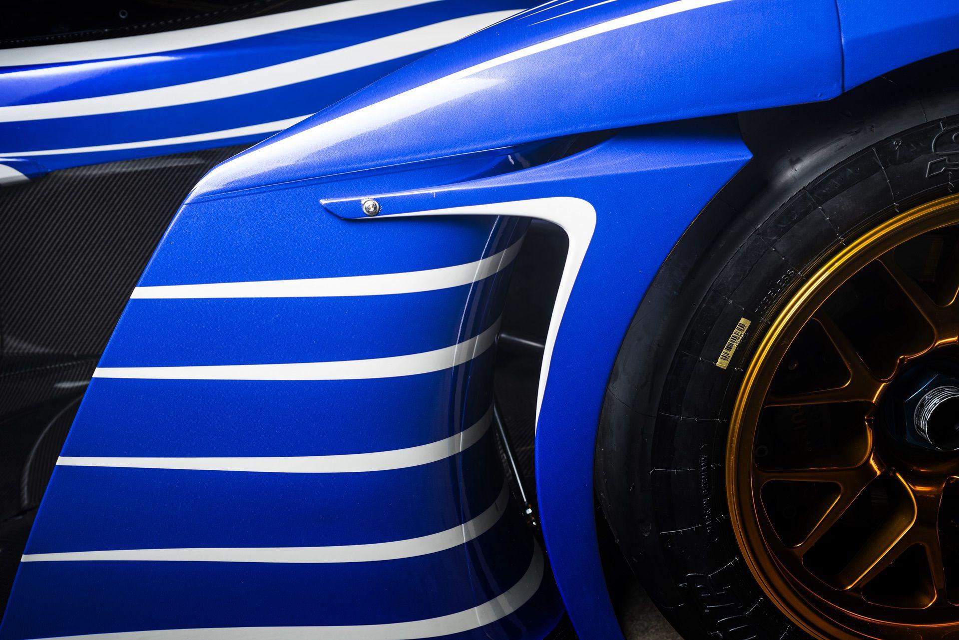 Praga_R1_Frank_Stephenson_racing_livery-0002