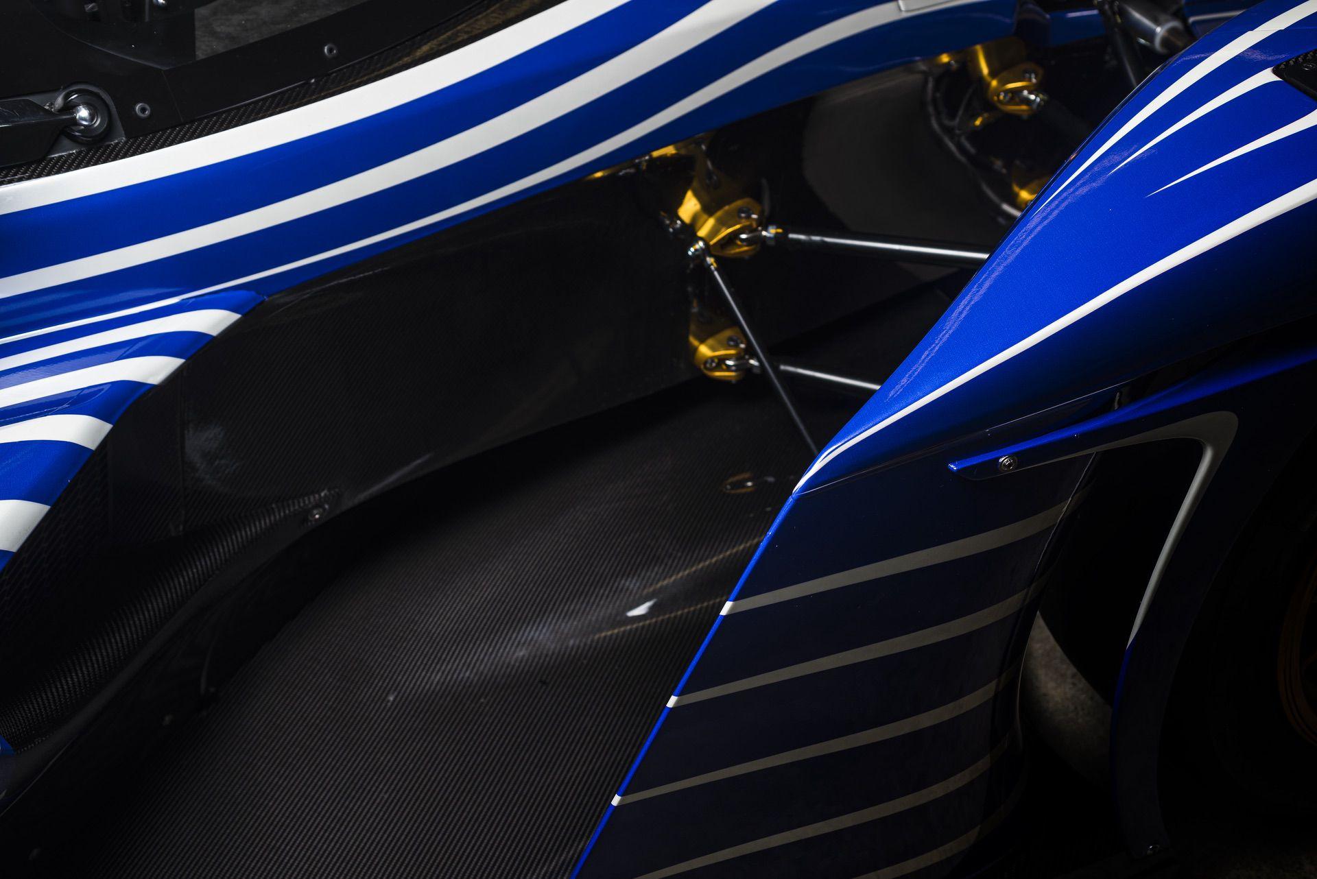 Praga_R1_Frank_Stephenson_racing_livery-0003