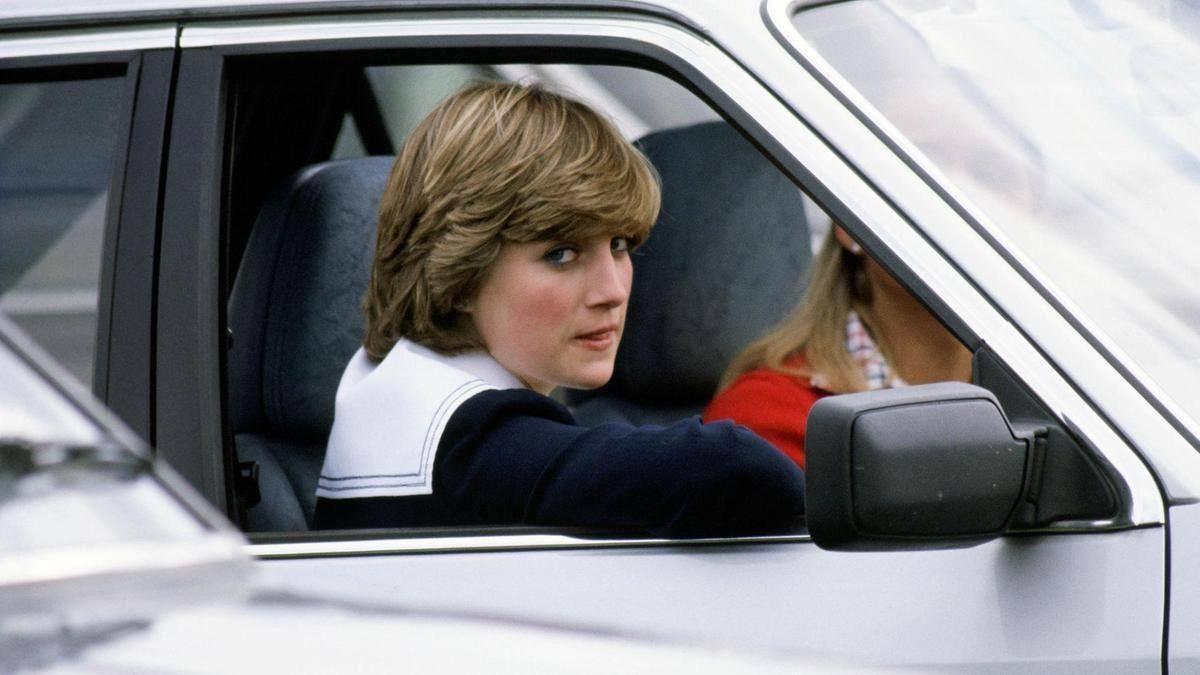 Princess_Diana_1981_Ford_Escort_Ghia-0010