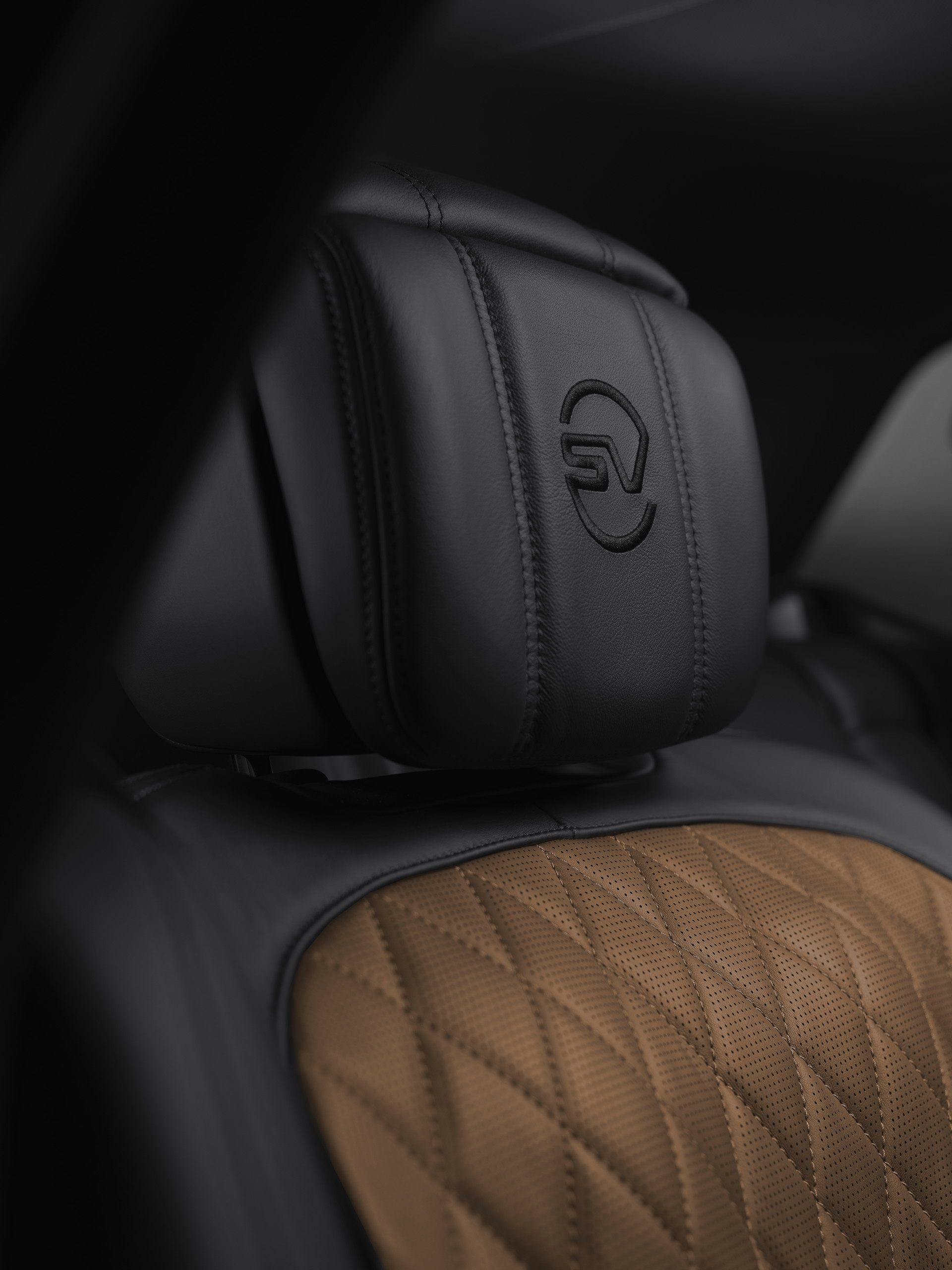 2021-range-rover-svautobiography-ultimate-editions-9
