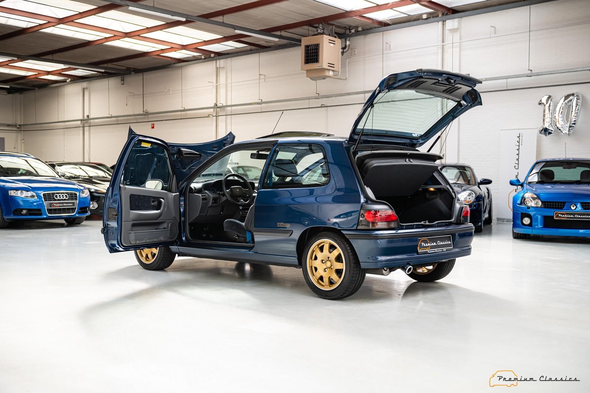 Renault_Clio_Williams_sale-0017