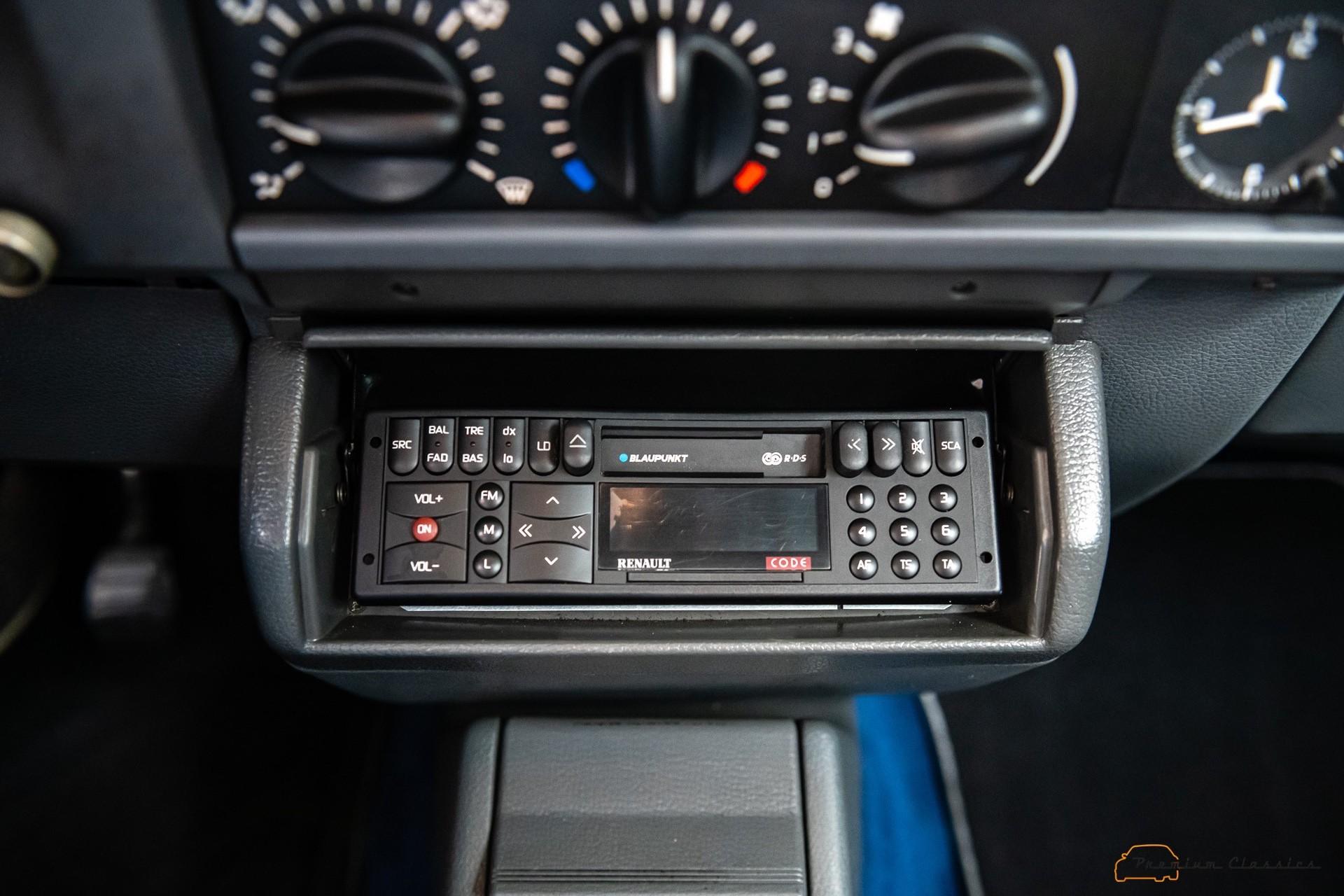 Renault_Clio_Williams_sale-0052