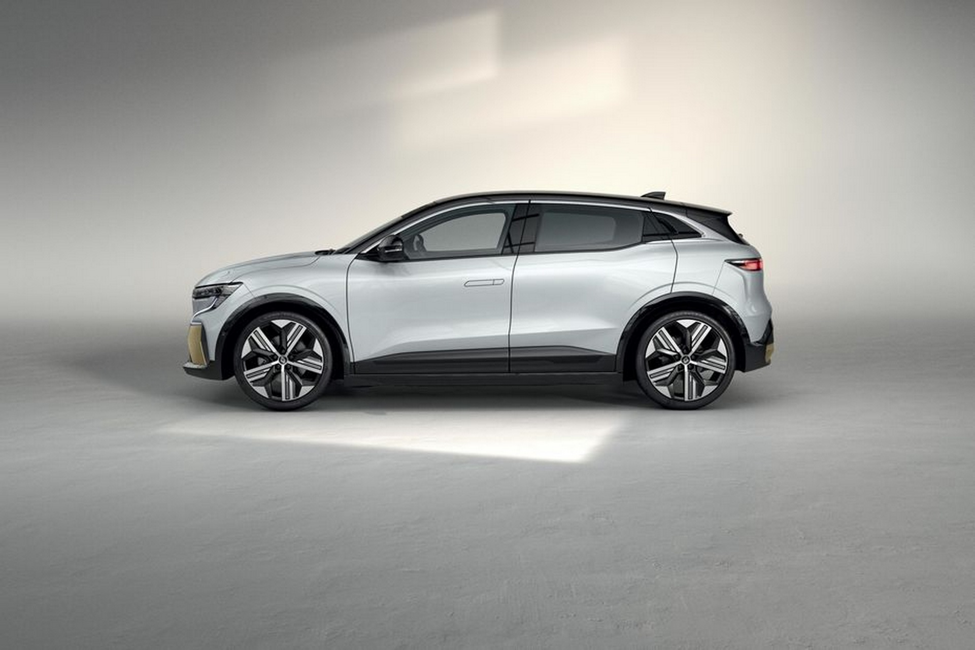 Renault-Megane-E-Tech-3