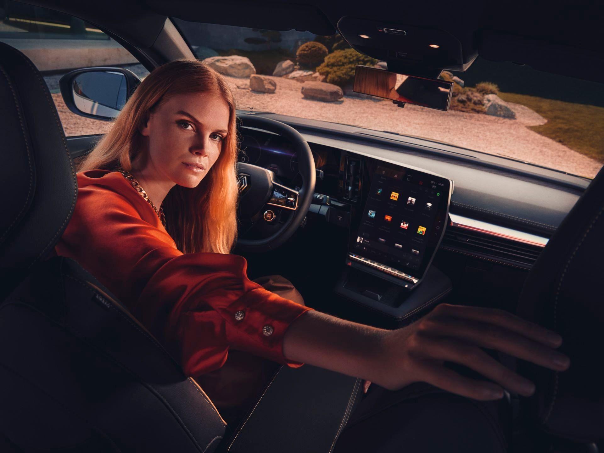 Renault-Megane-E-Tech-Electric-100