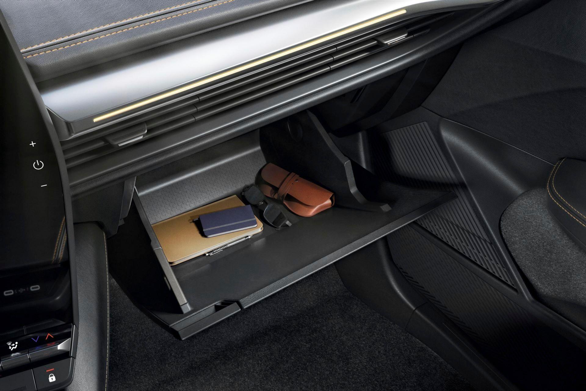 Renault-Megane-E-Tech-Electric-131