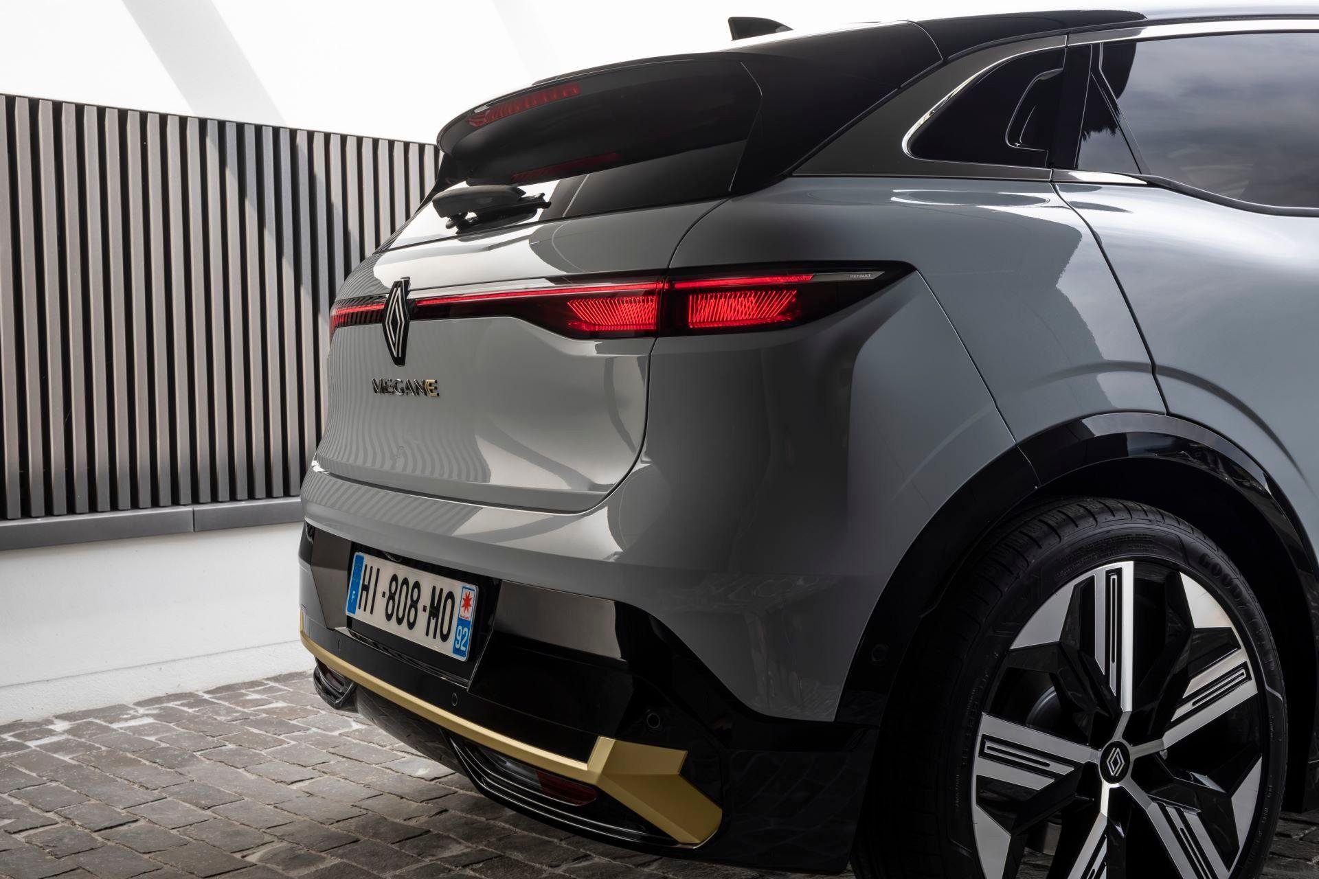 Renault-Megane-E-Tech-Electric-136