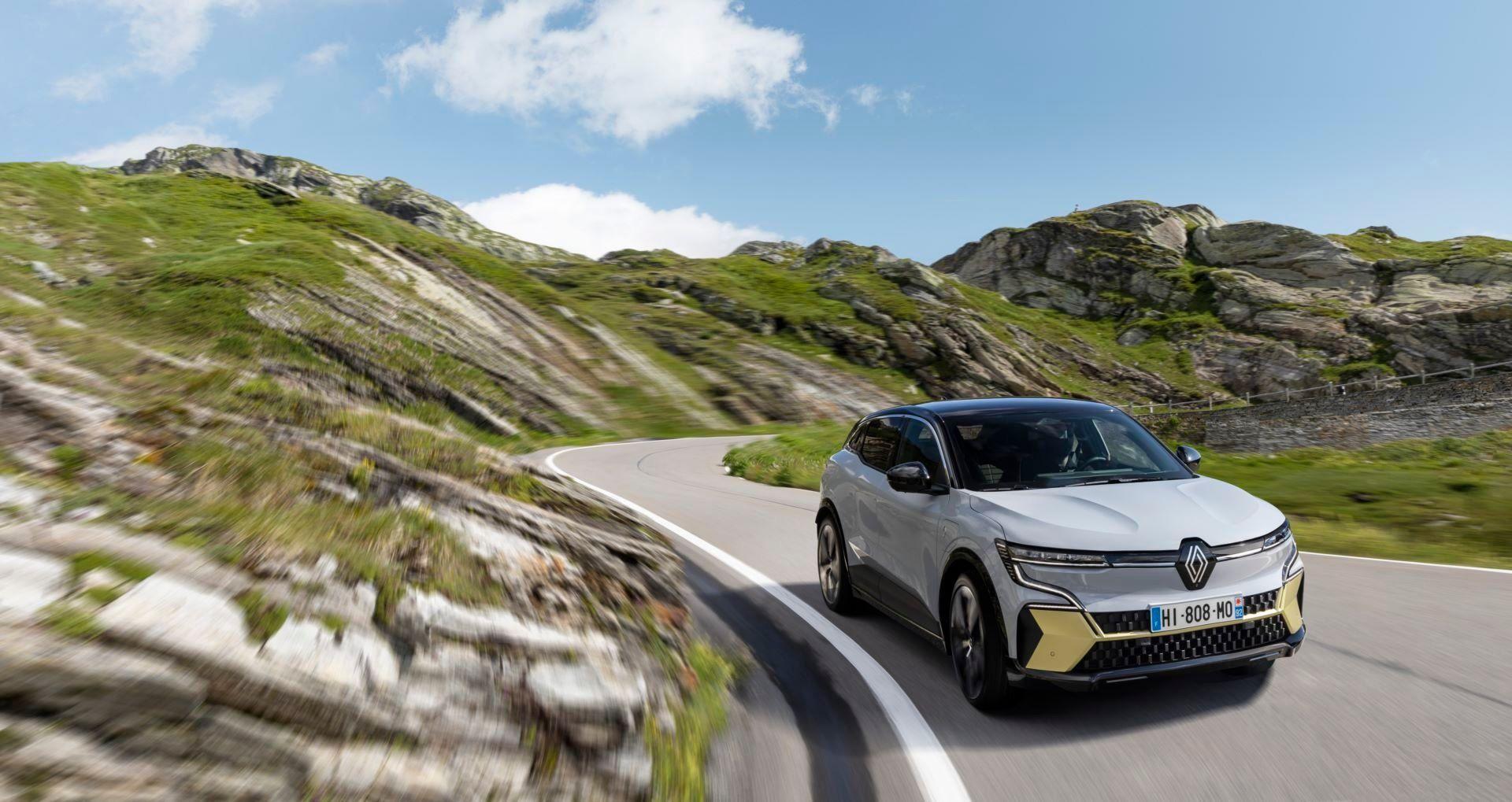Renault-Megane-E-Tech-Electric-15