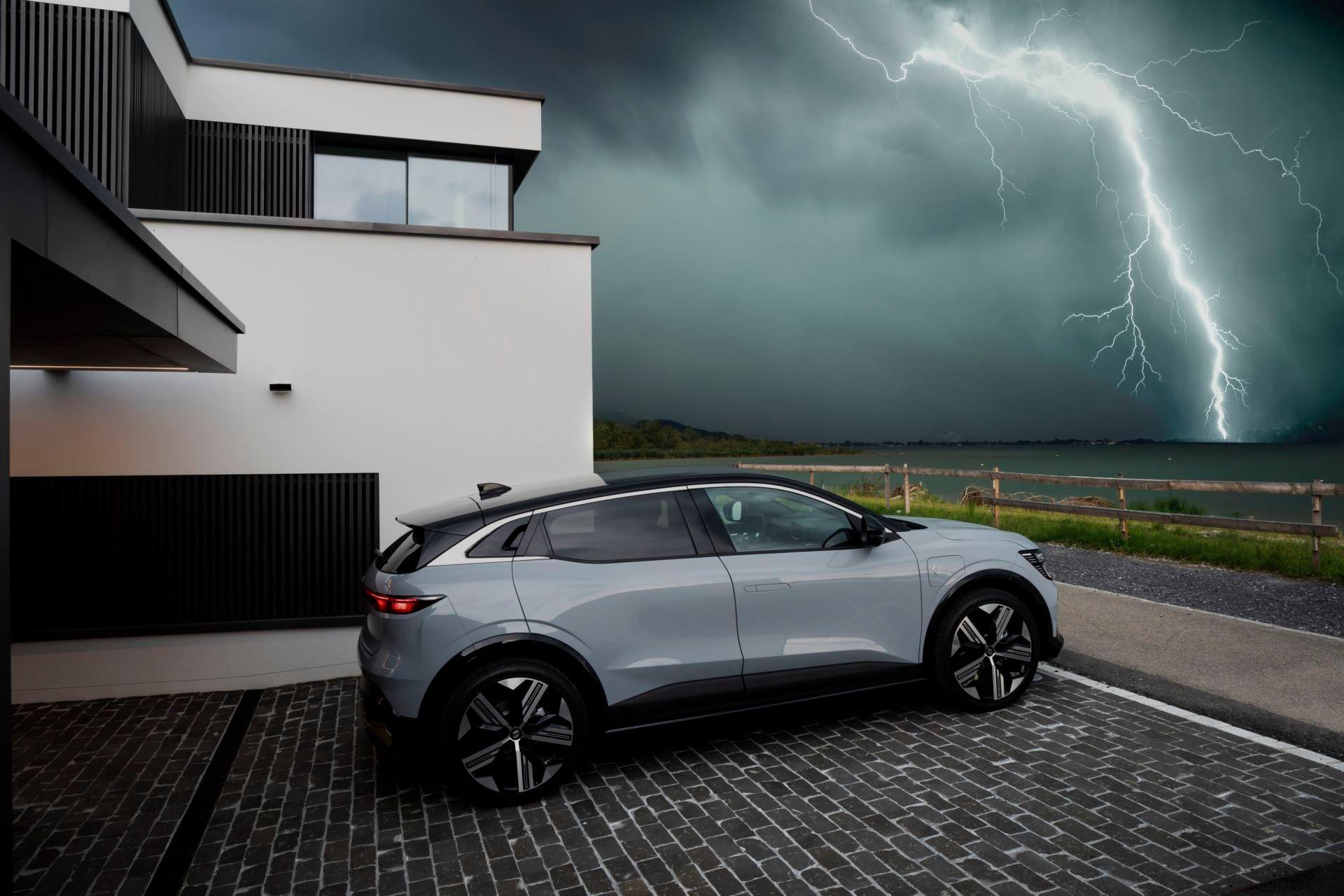 Renault-Megane-E-Tech-Electric-3