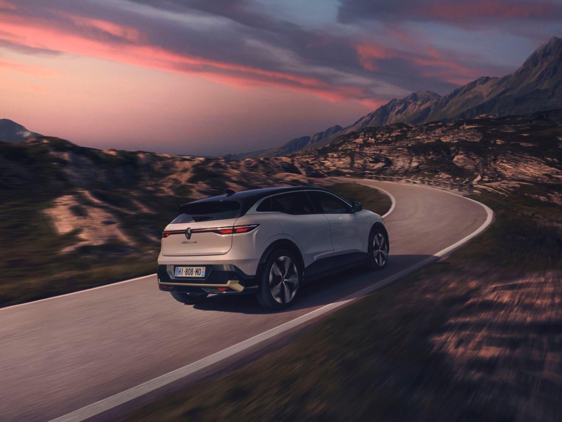 Renault-Megane-E-Tech-Electric-43