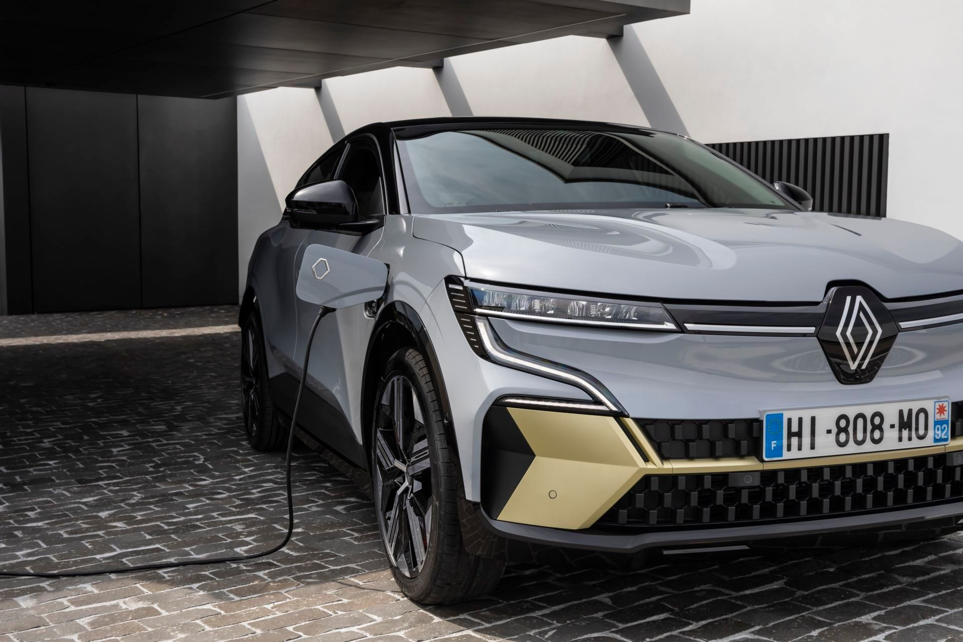 Renault-Megane-E-Tech-Electric-83