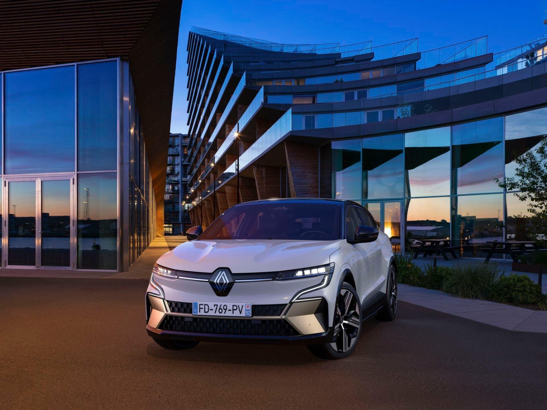 Renault-Megane-E-Tech-Electric-95