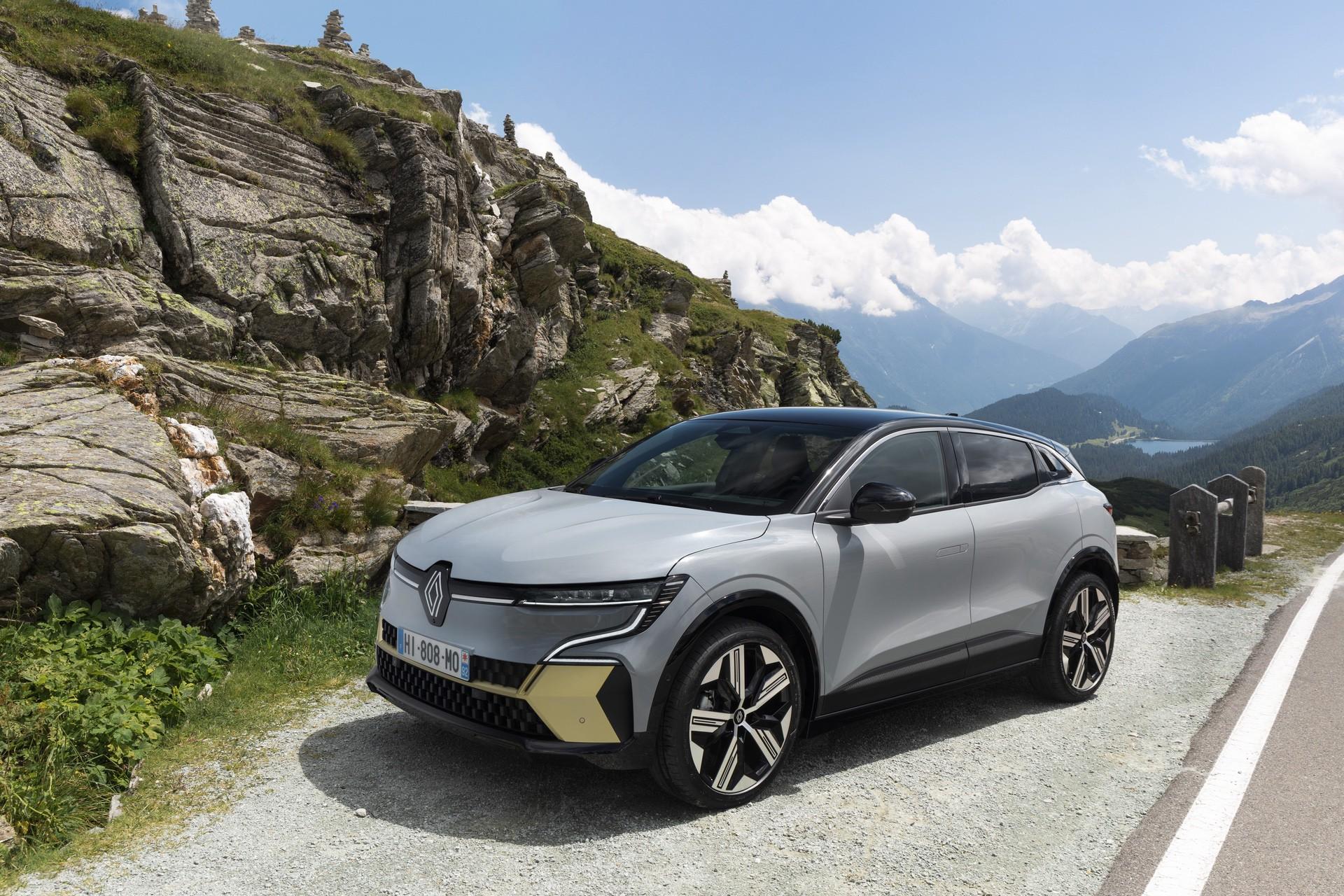 Renault_Megane_E-Tech-0003