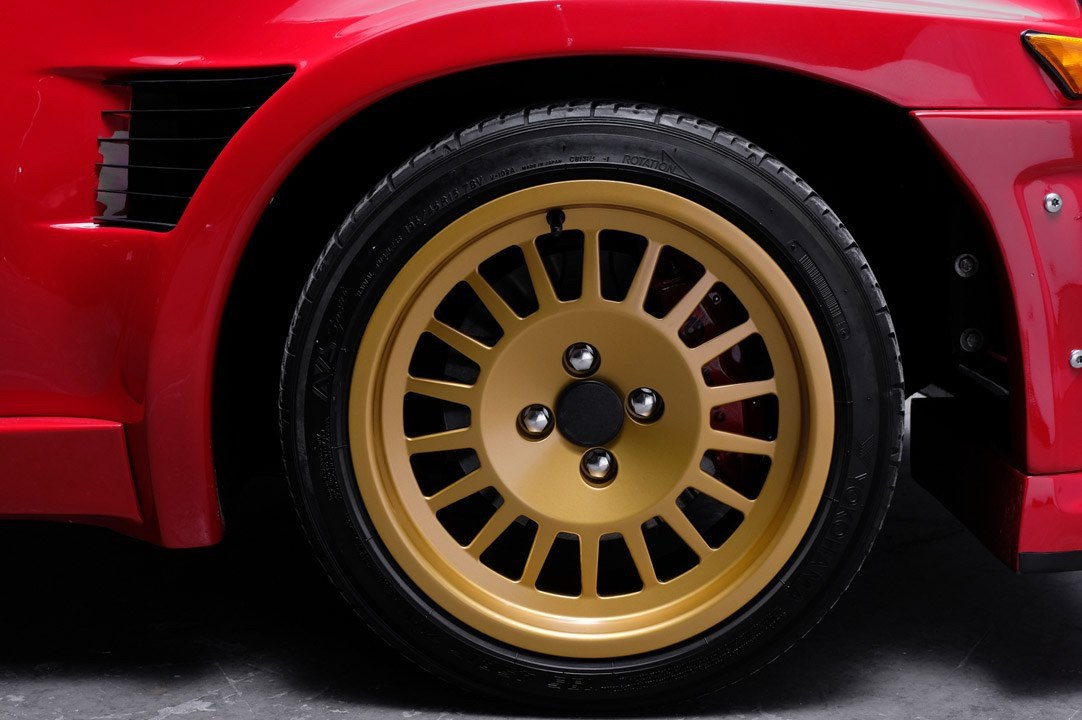Renault_R5_Turbo_II_Maxi_look-0005