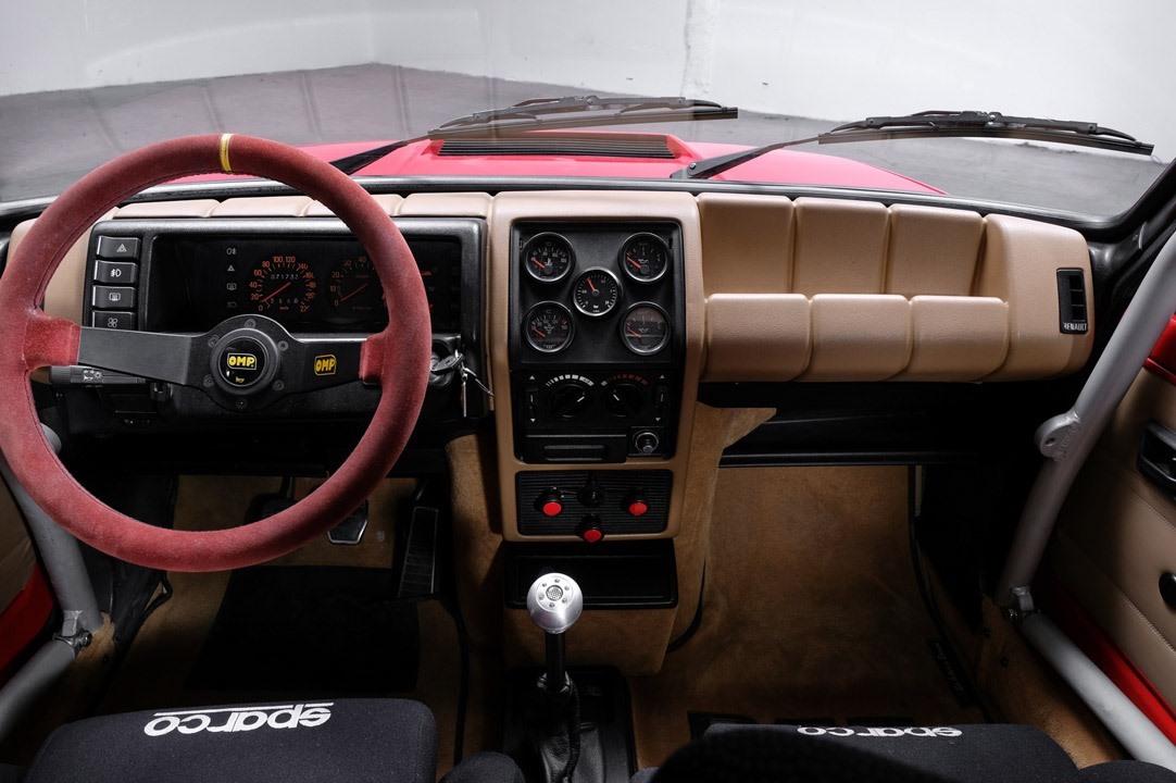 Renault_R5_Turbo_II_Maxi_look-0006