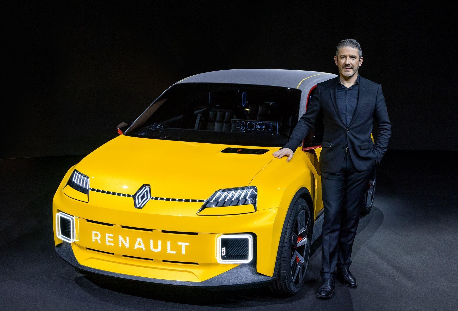 30-2021-Renault-5-Prototype-and-Gilles-VIDAL-designer