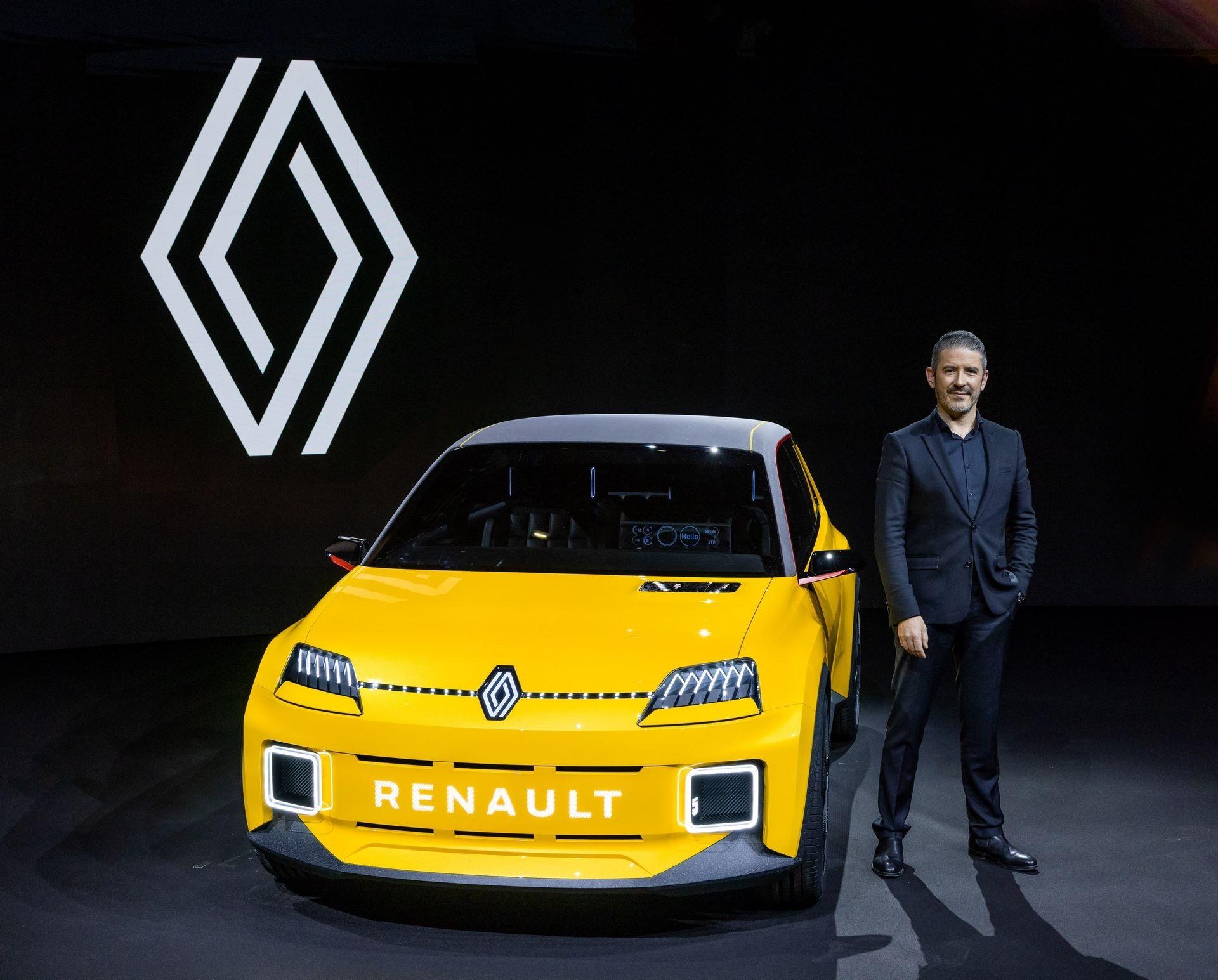 31-2021-Renault-5-Prototype-and-Gilles-VIDAL-designer