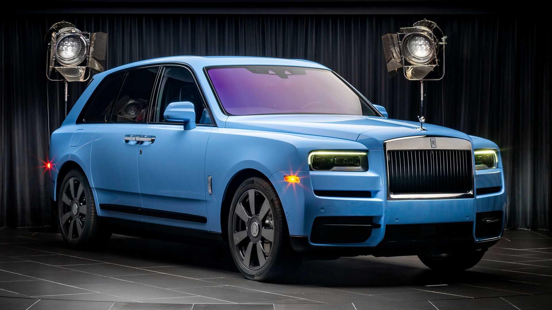 Rolls-Royce-Cullinan-bespoke-colors-1