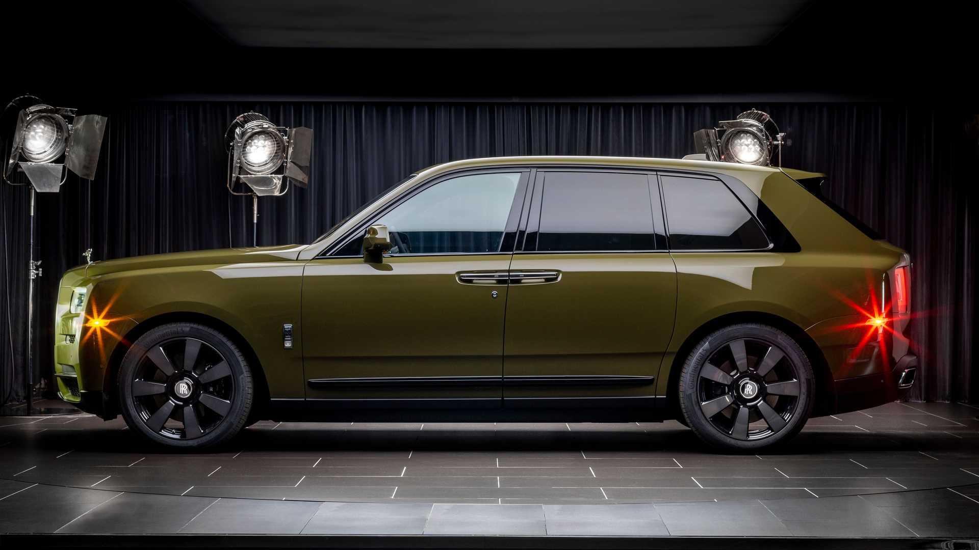 Rolls-Royce-Cullinan-bespoke-colors-10