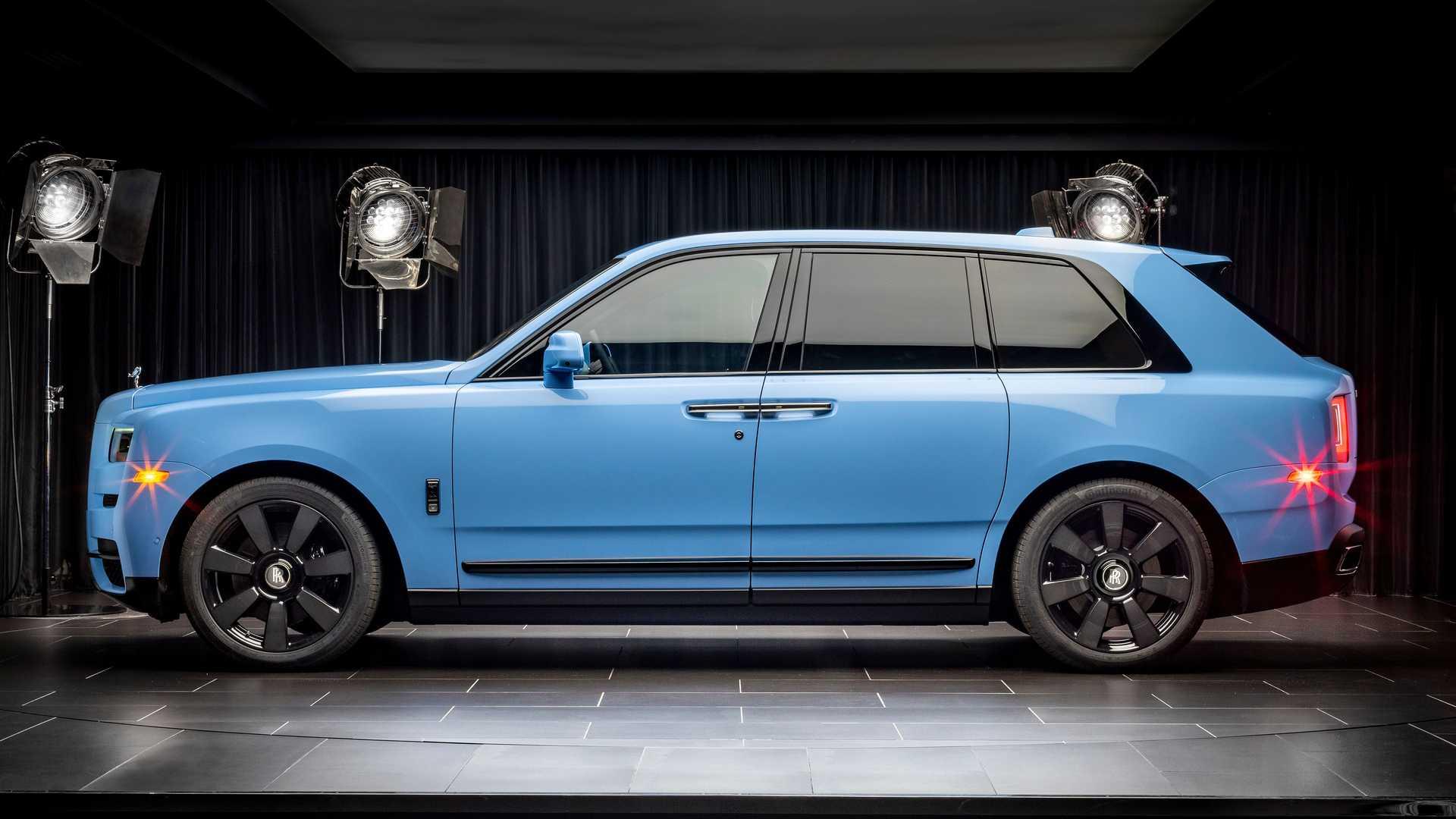 Rolls-Royce-Cullinan-bespoke-colors-2