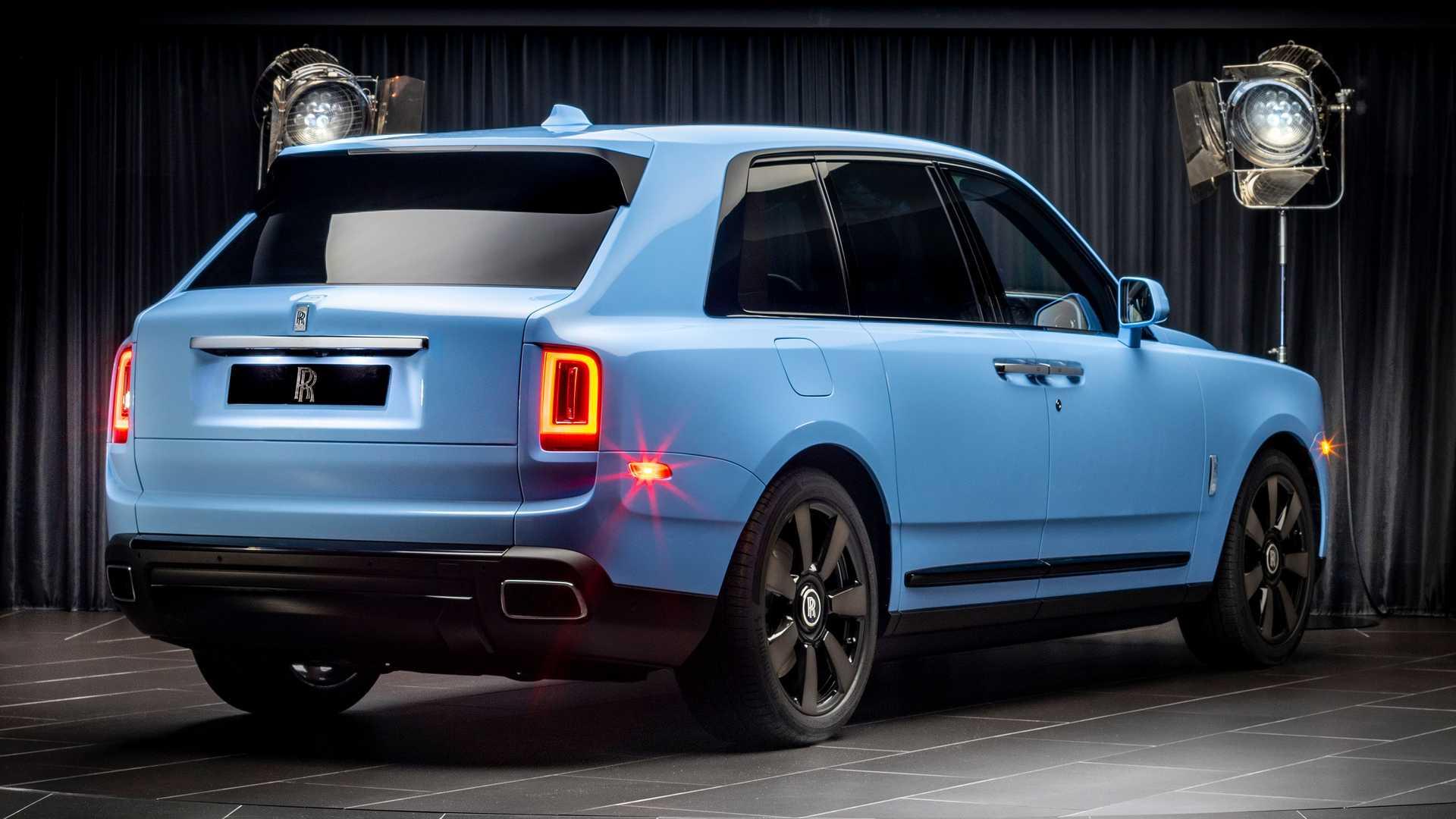 Rolls-Royce-Cullinan-bespoke-colors-3