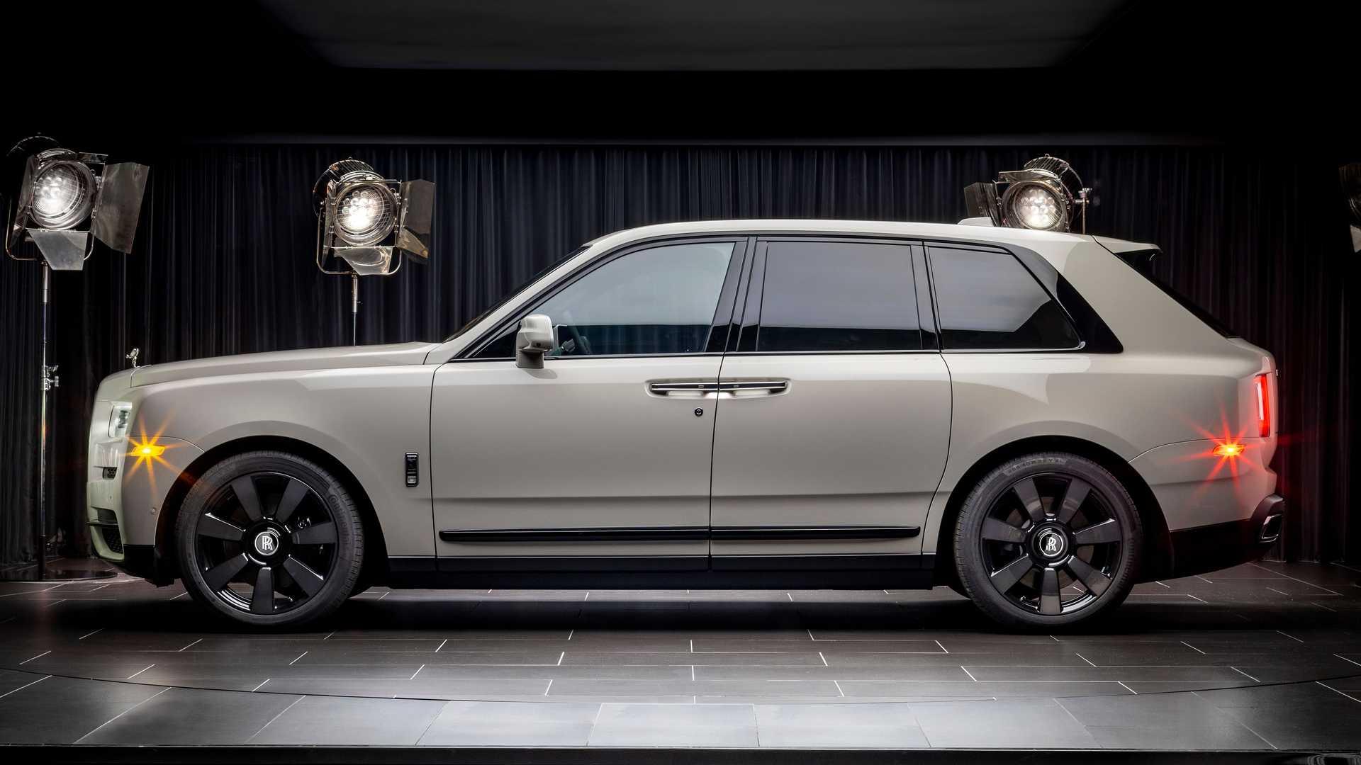 Rolls-Royce-Cullinan-bespoke-colors-7