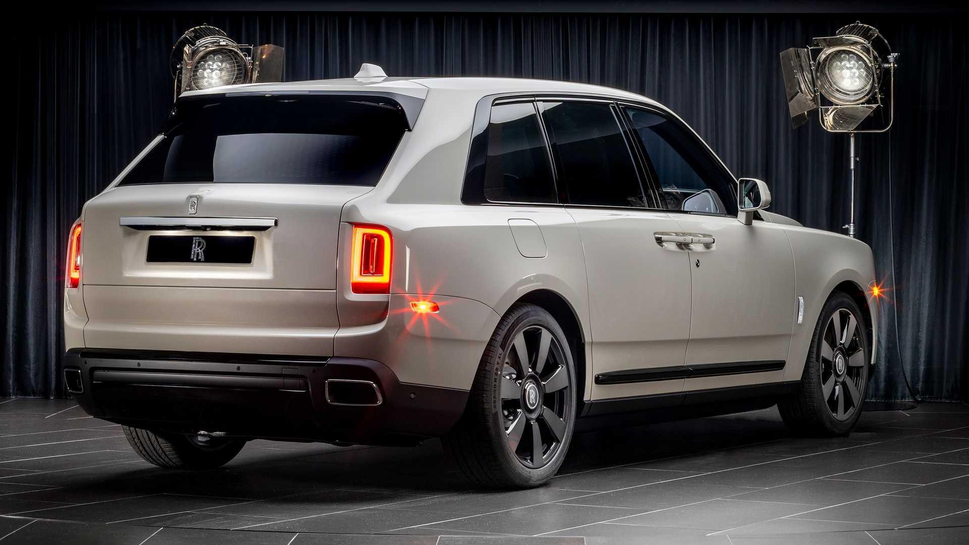 Rolls-Royce-Cullinan-bespoke-colors-8