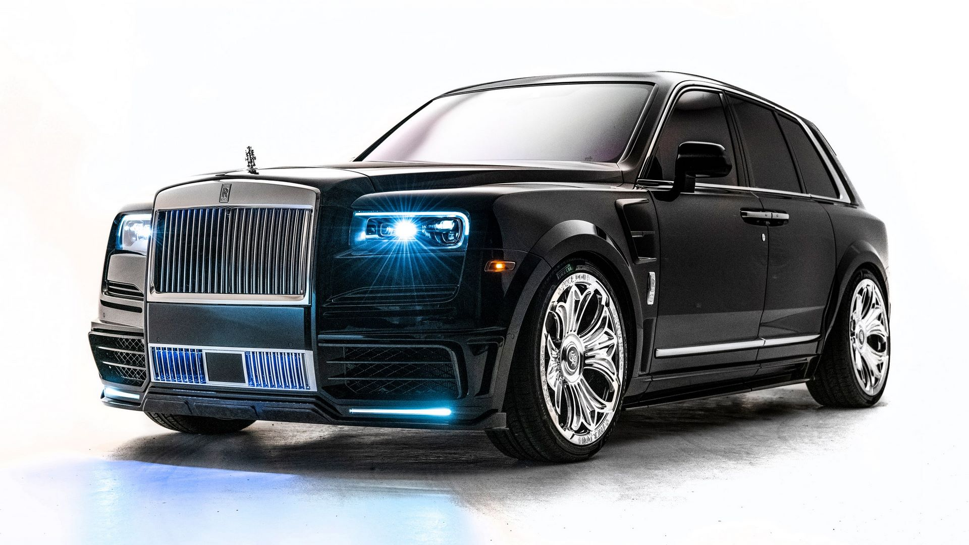 Rolls-Royce-Cullinan-Drake-1