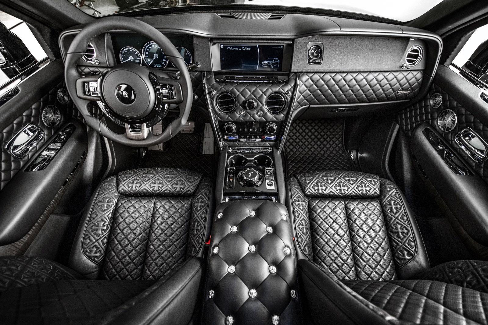 Rolls-Royce-Cullinan-Drake-5