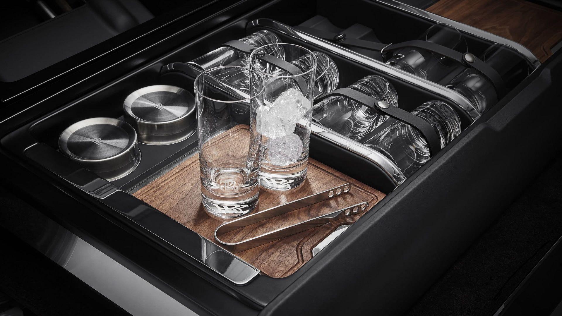 Rolls-Royce-Cullinan-Recreation-Module-3
