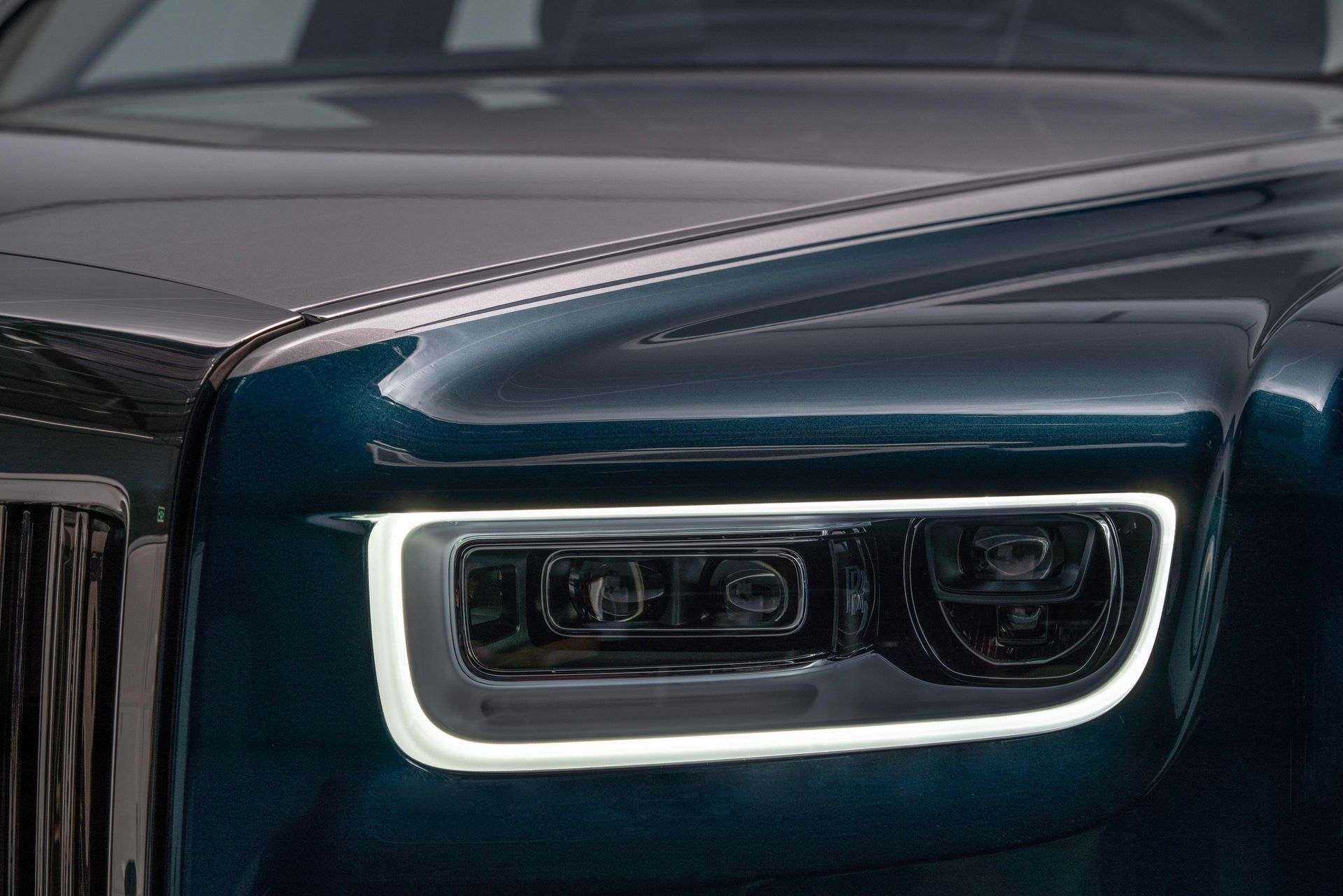 Rolls-Royce-Phantom-Iridescent-Opulence-6