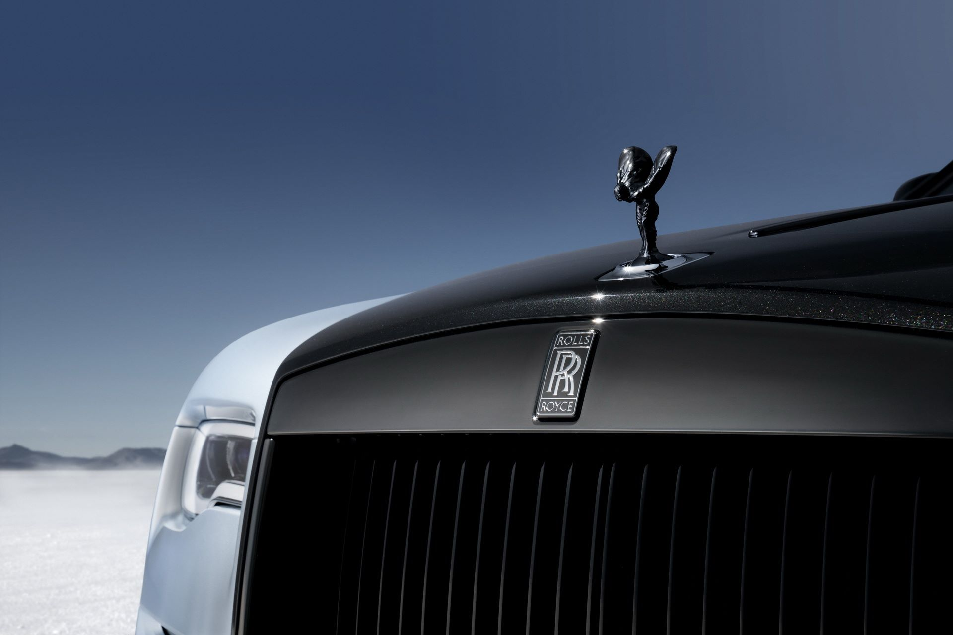 Rolls-Royce-Wraith-and-Dawn-Black-Badge-Landspeed-Collection-10