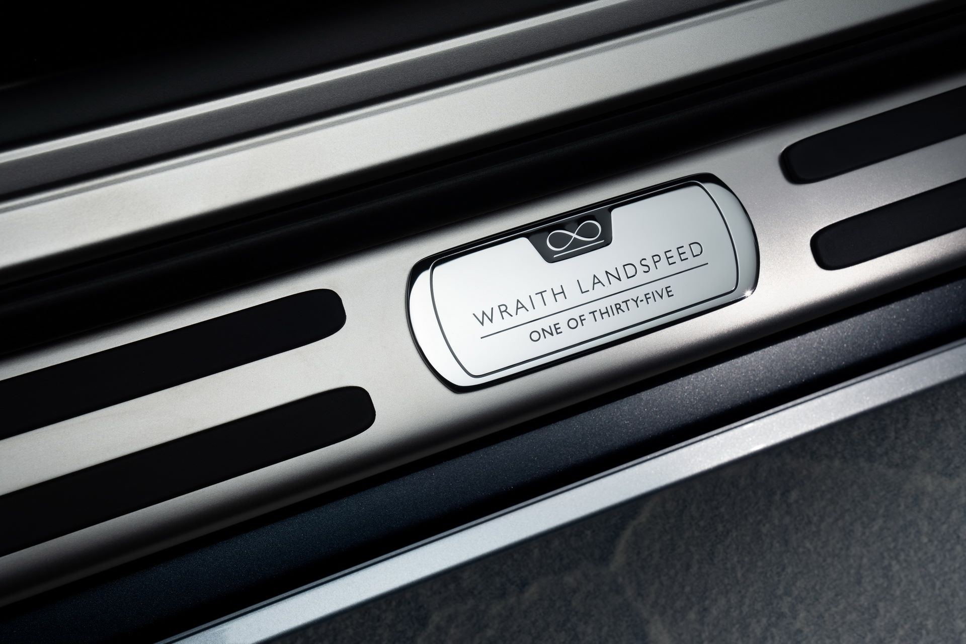 Rolls-Royce-Wraith-and-Dawn-Black-Badge-Landspeed-Collection-14