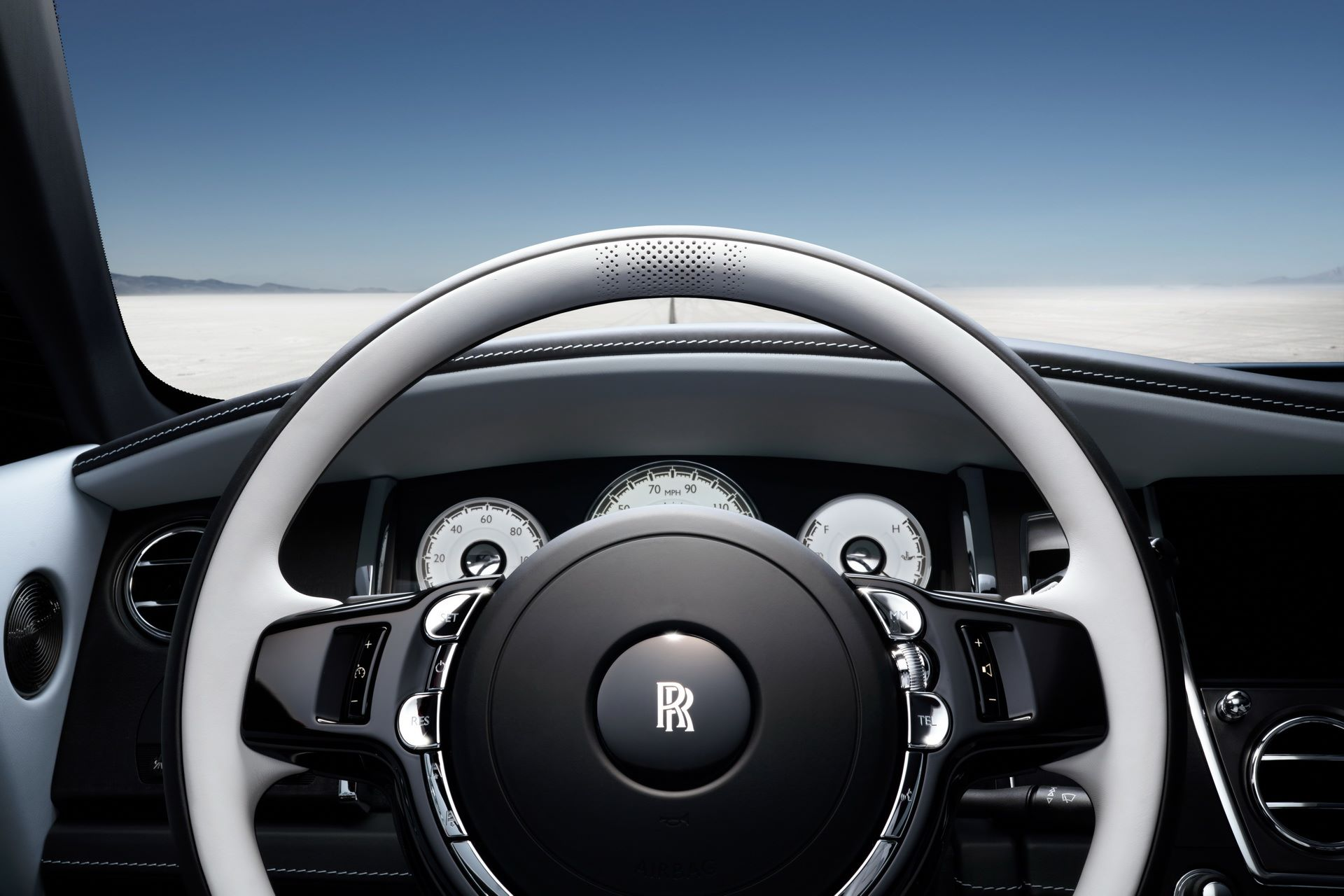 Rolls-Royce-Wraith-and-Dawn-Black-Badge-Landspeed-Collection-26