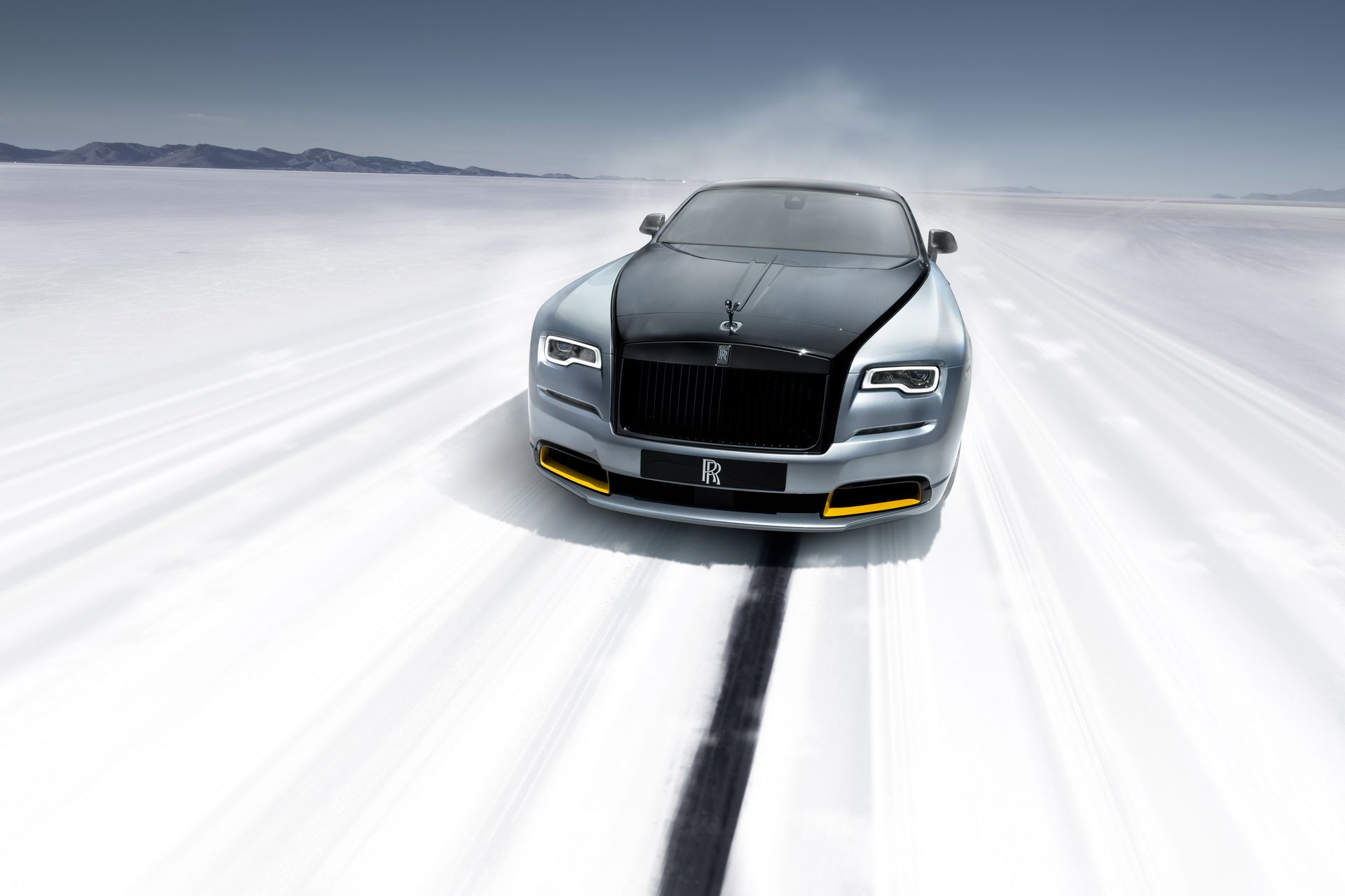 Rolls-Royce-Wraith-and-Dawn-Black-Badge-Landspeed-Collection-3