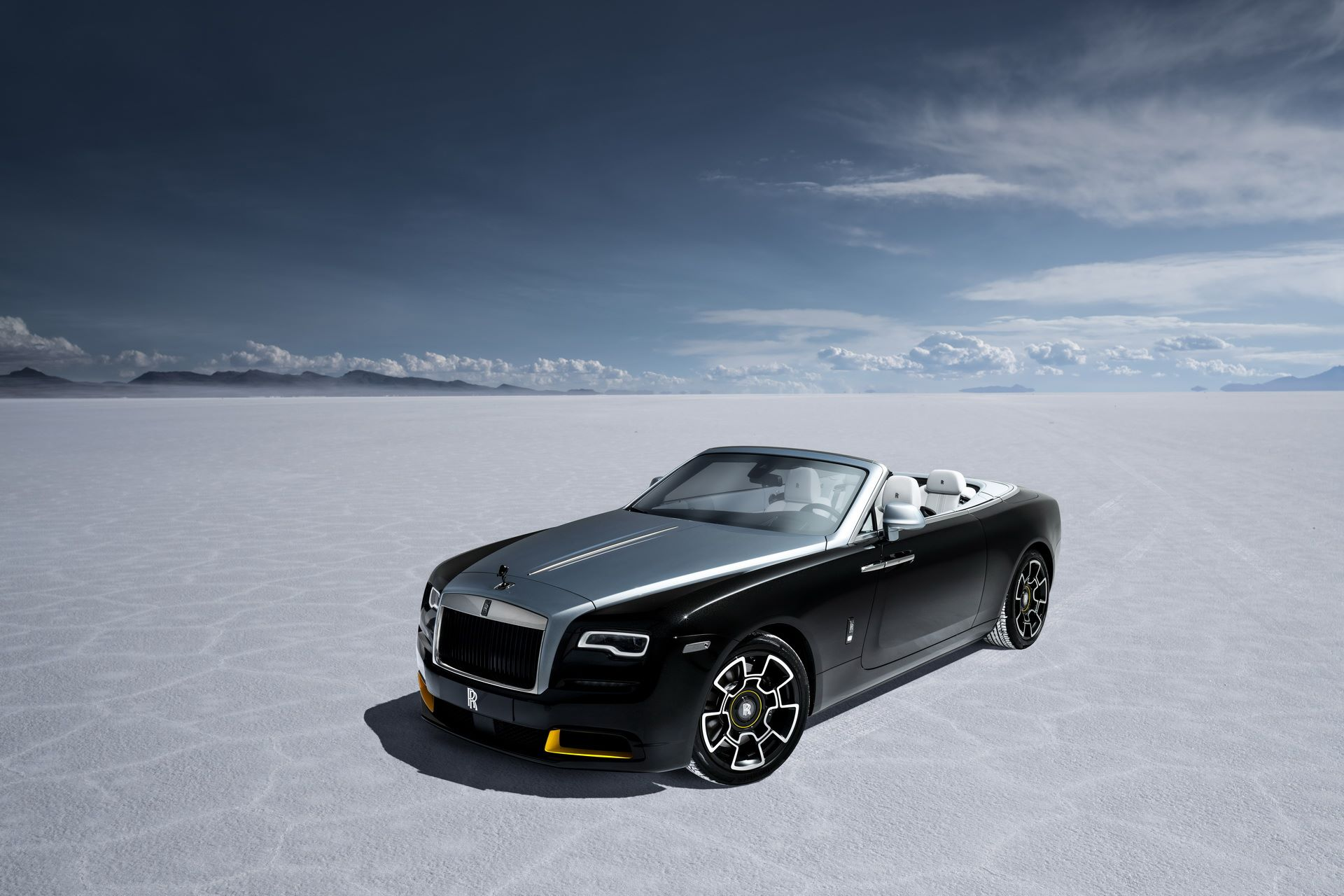 Rolls-Royce-Wraith-and-Dawn-Black-Badge-Landspeed-Collection-8