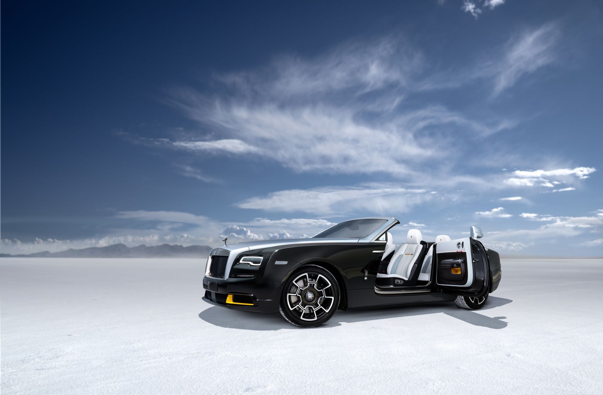 Rolls-Royce-Wraith-and-Dawn-Black-Badge-Landspeed-Collection-9