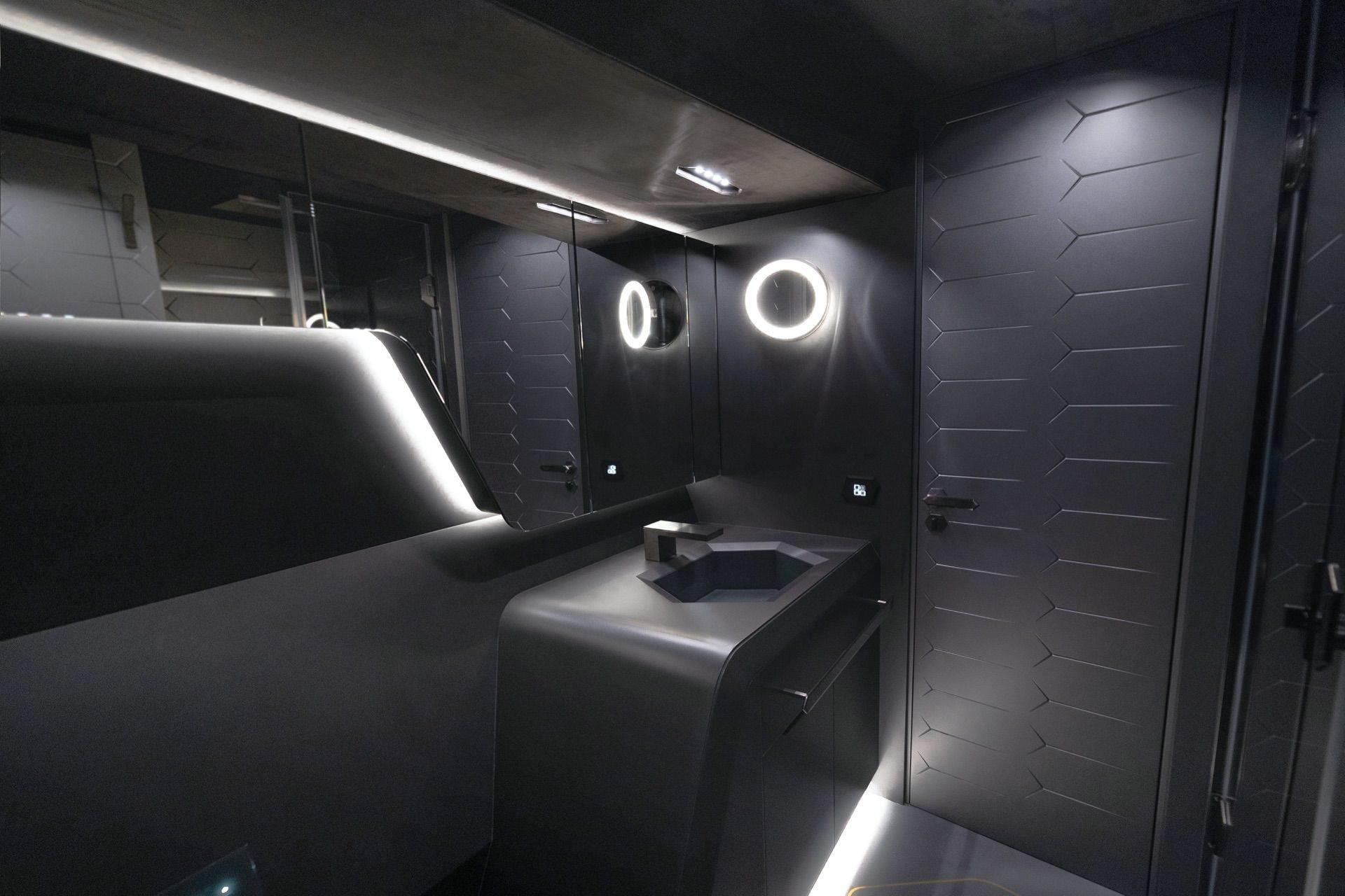 Tecnomar-Lamborghini-63-Yacht-2