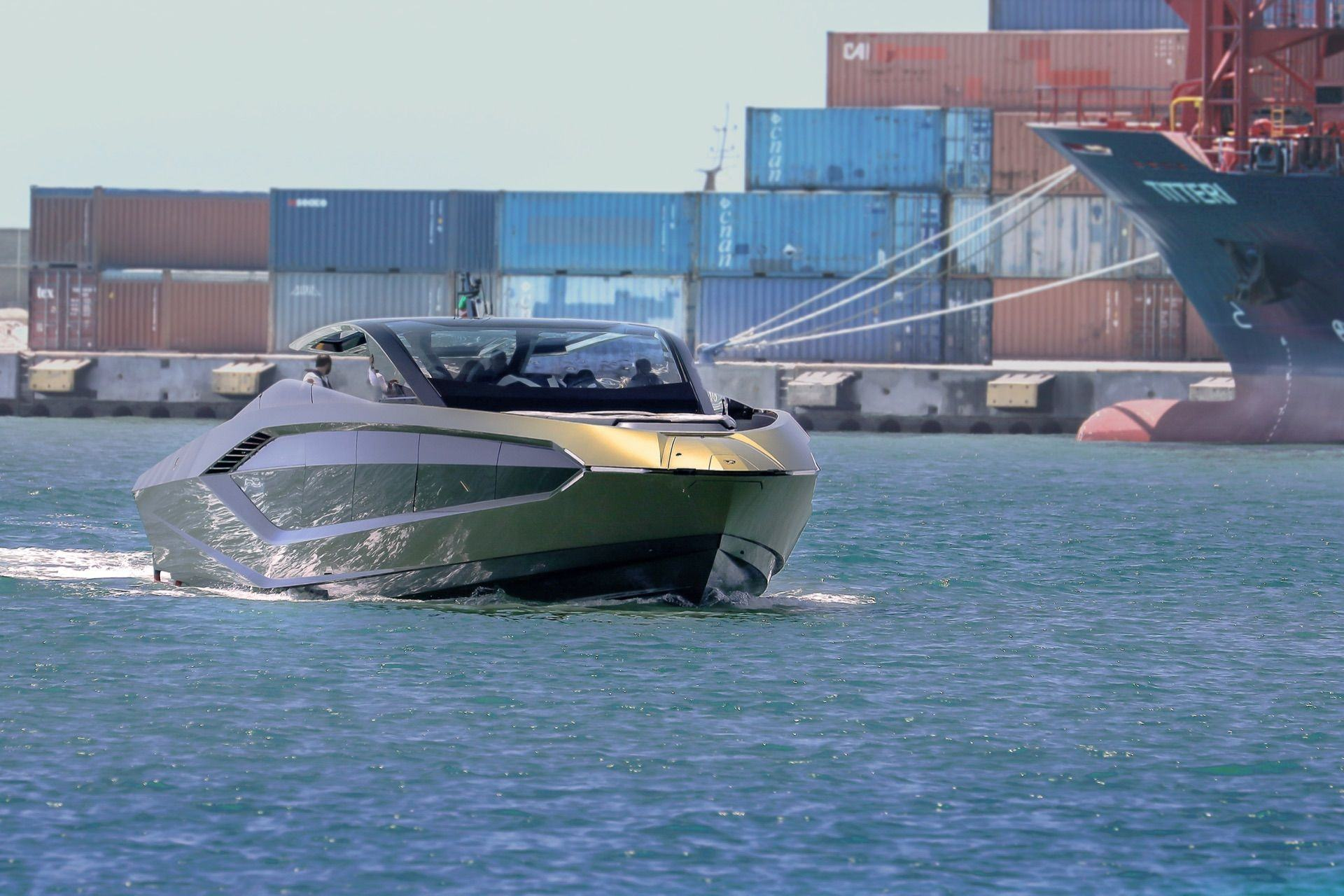 Tecnomar-Lamborghini-63-Yacht-25
