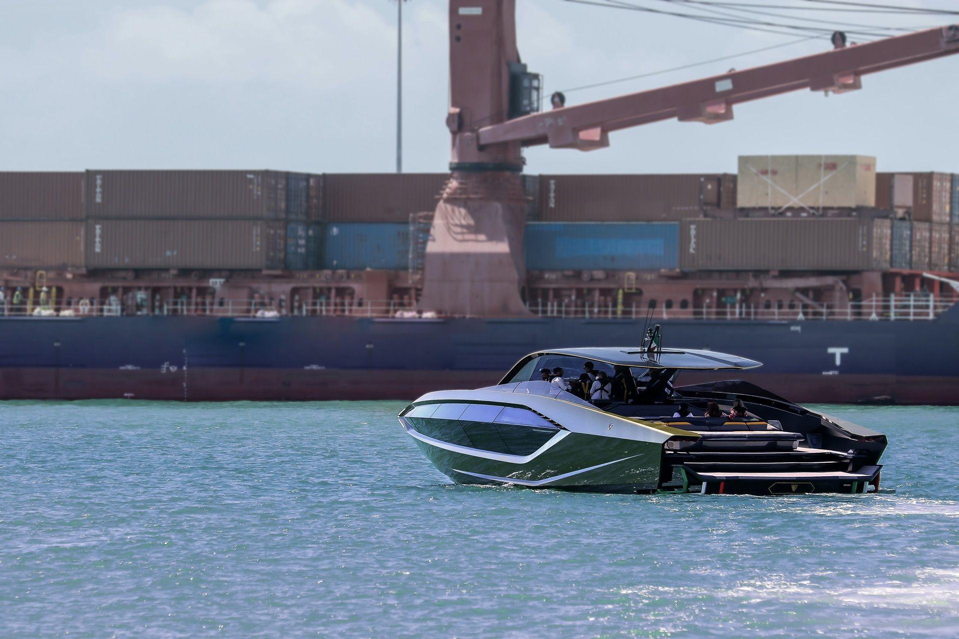 Tecnomar-Lamborghini-63-Yacht-26