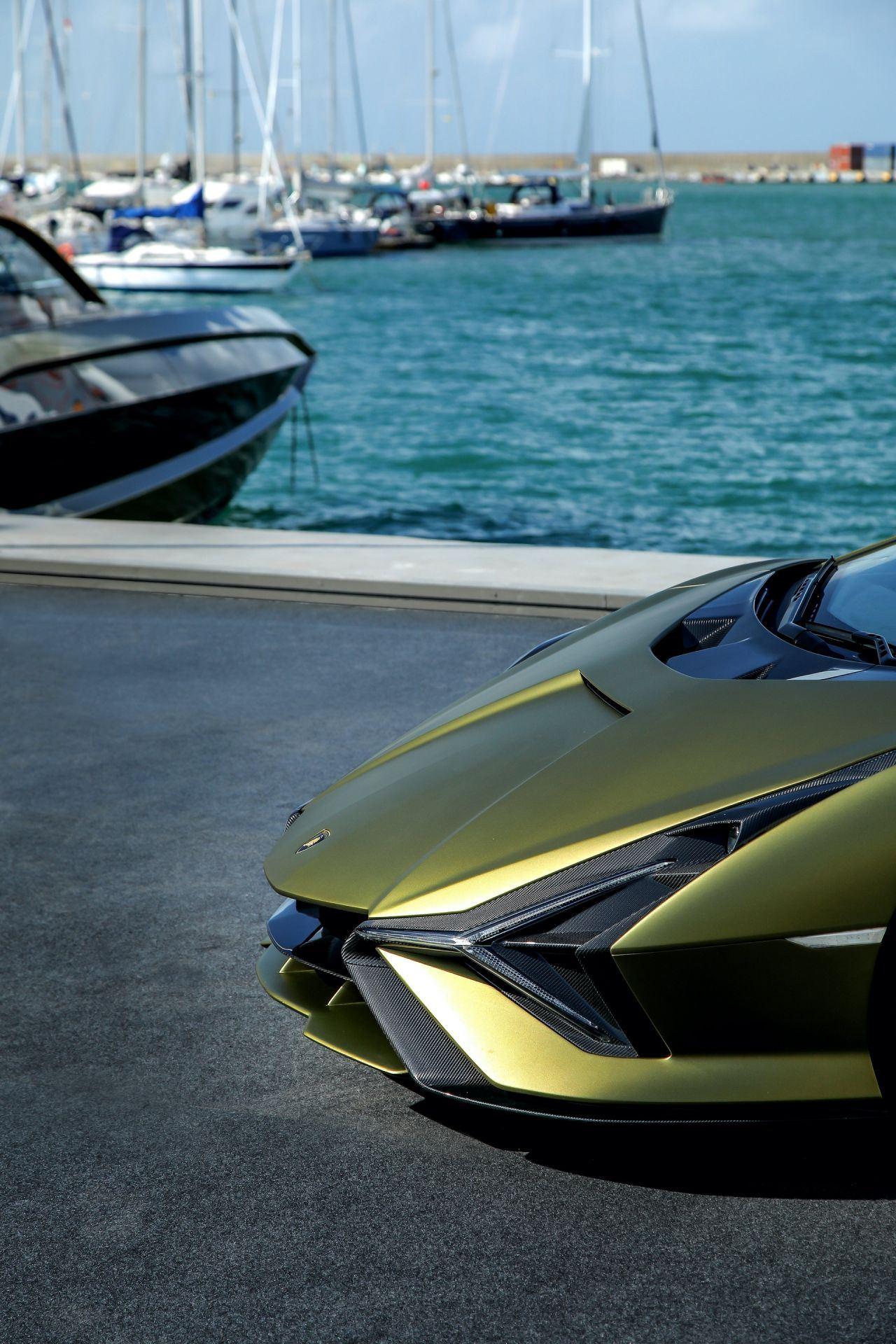 Tecnomar-Lamborghini-63-Yacht-27