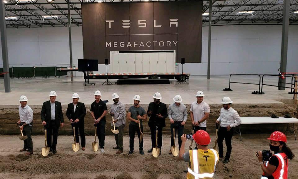 Tesla_Megafactory-0003