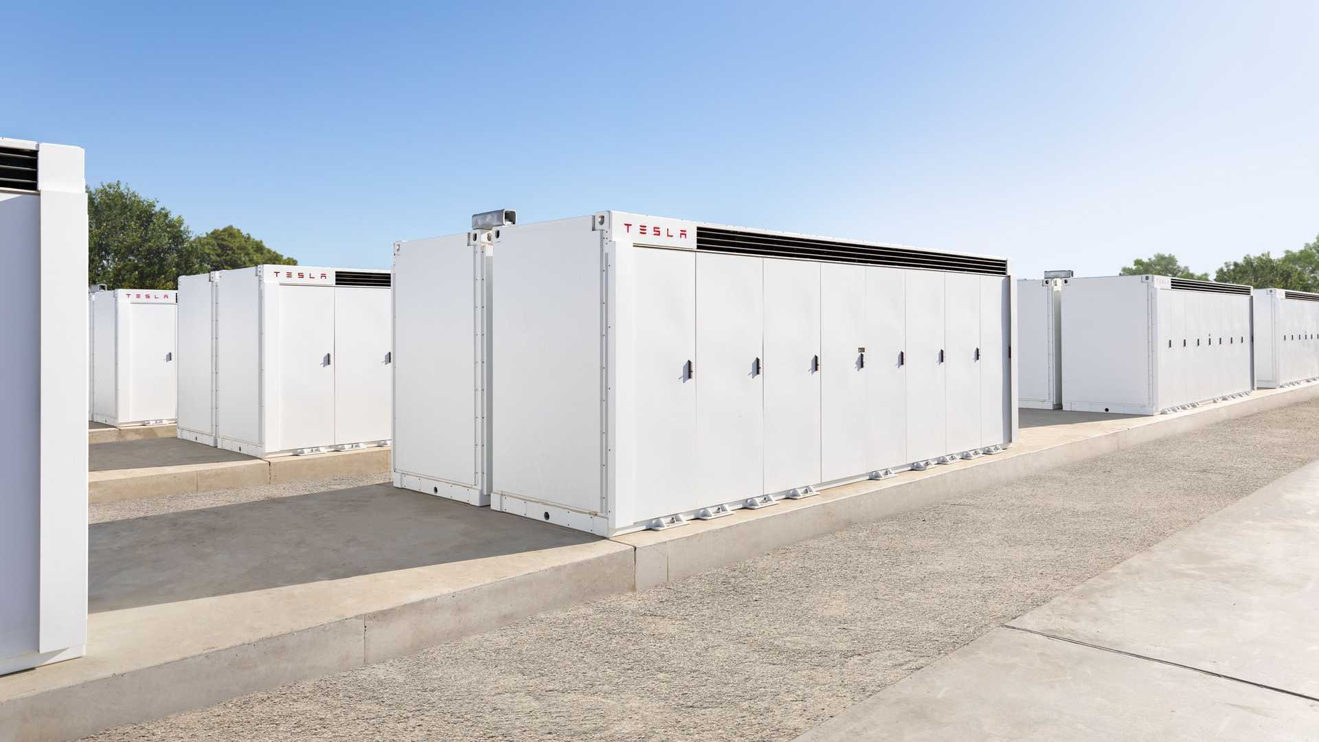 Tesla_Megafactory-0005