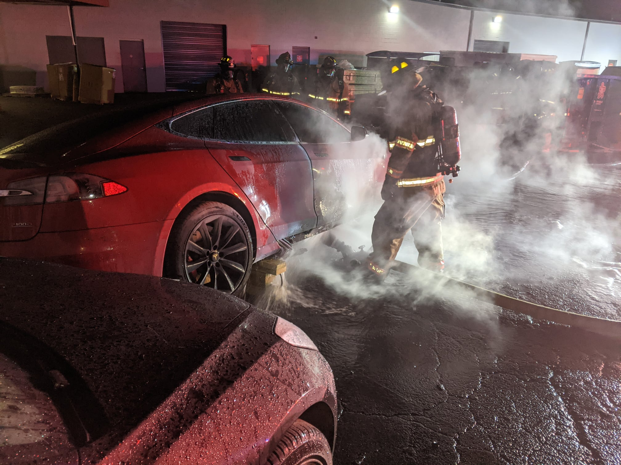 Tesla-Model-S-P100D-Fire-4