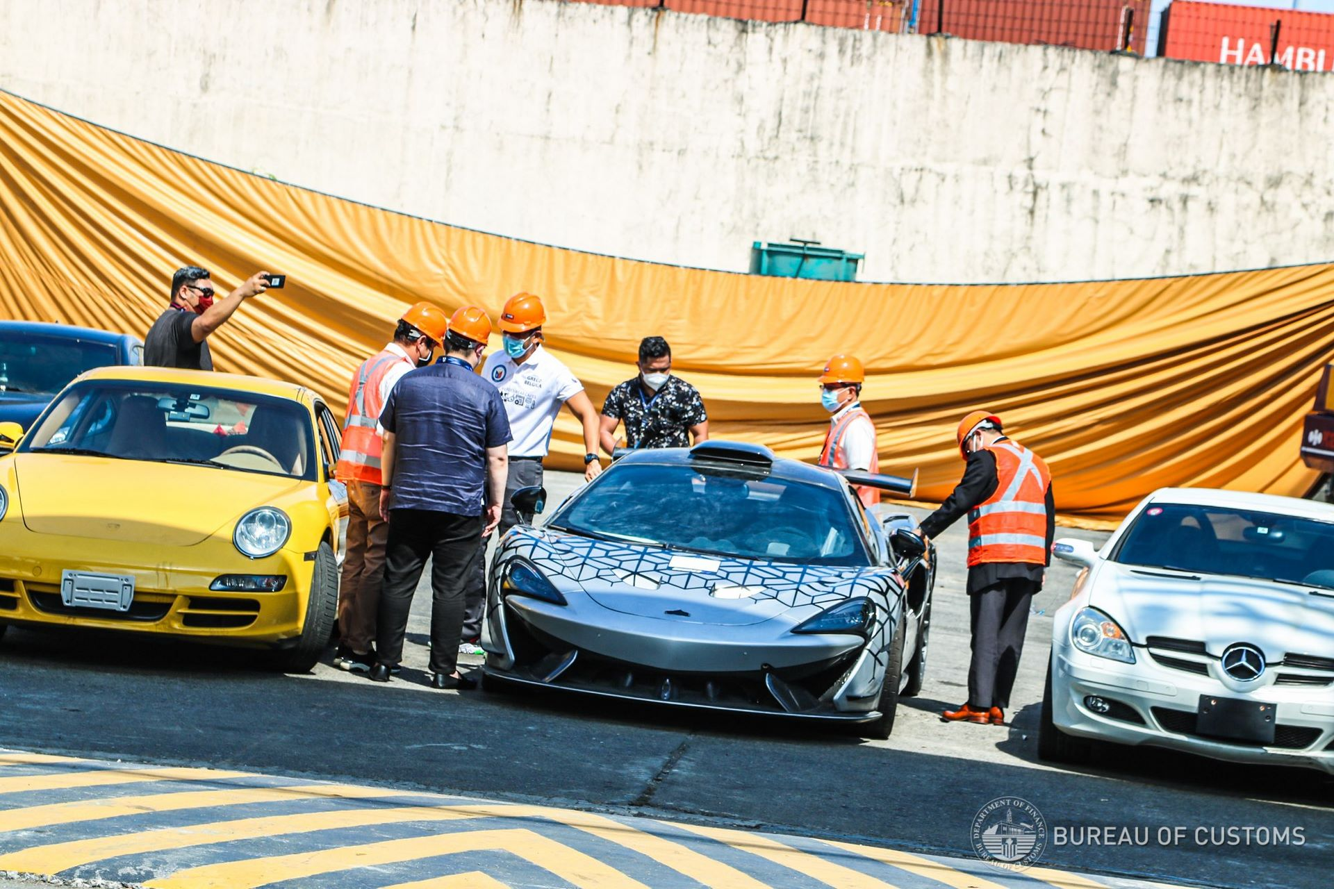 the-philippines-destroys-illegally-imported-cars-10