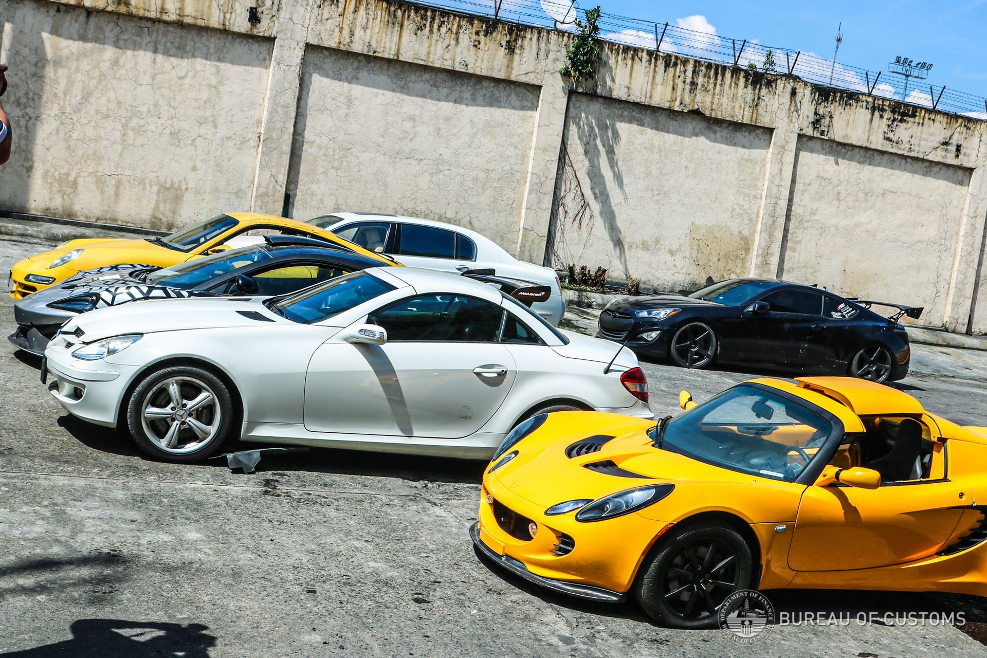 the-philippines-destroys-illegally-imported-cars-12