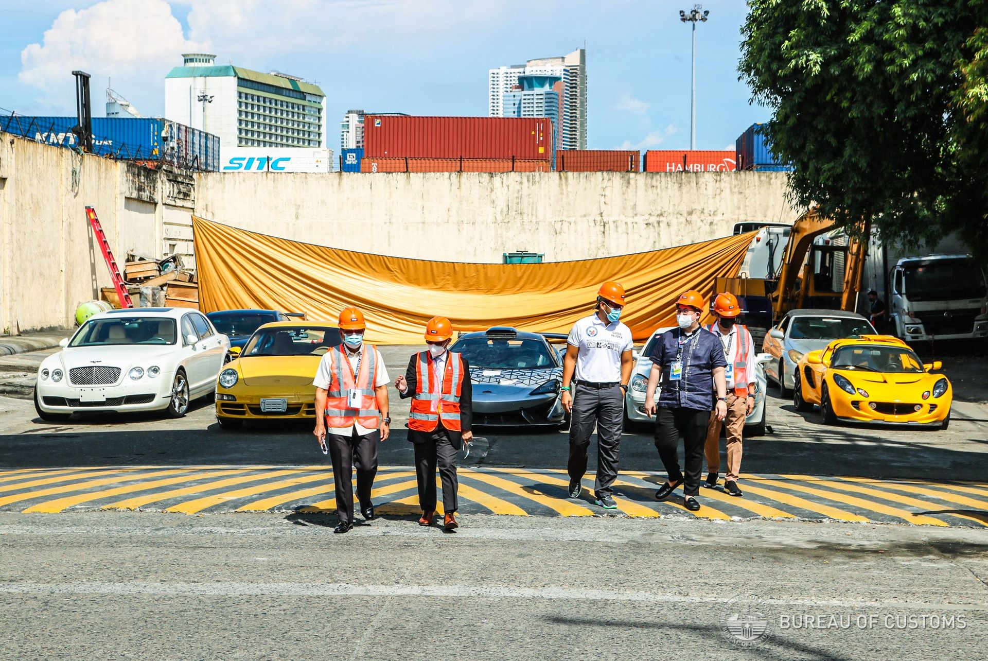 the-philippines-destroys-illegally-imported-cars-3