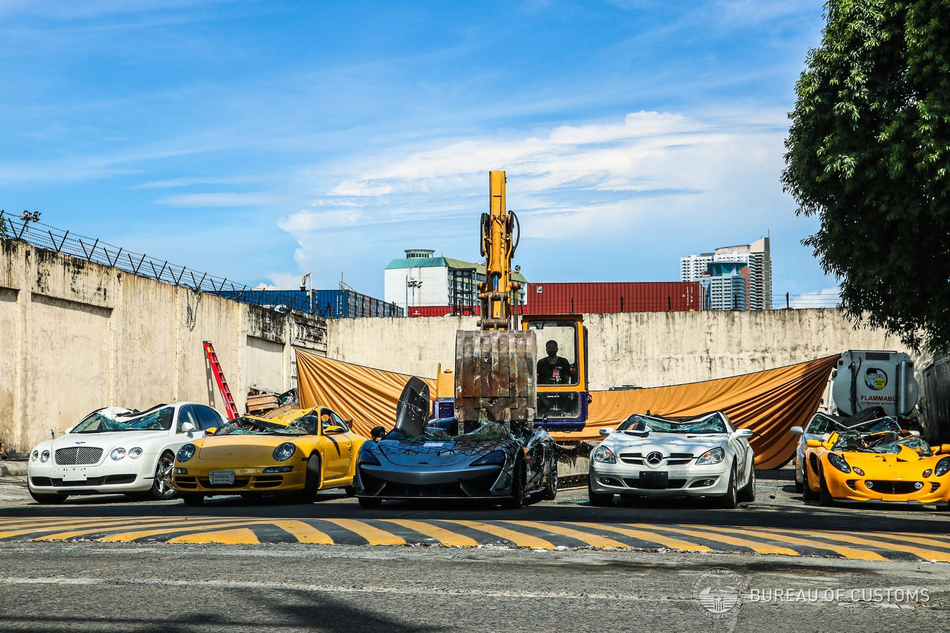 the-philippines-destroys-illegally-imported-cars-4